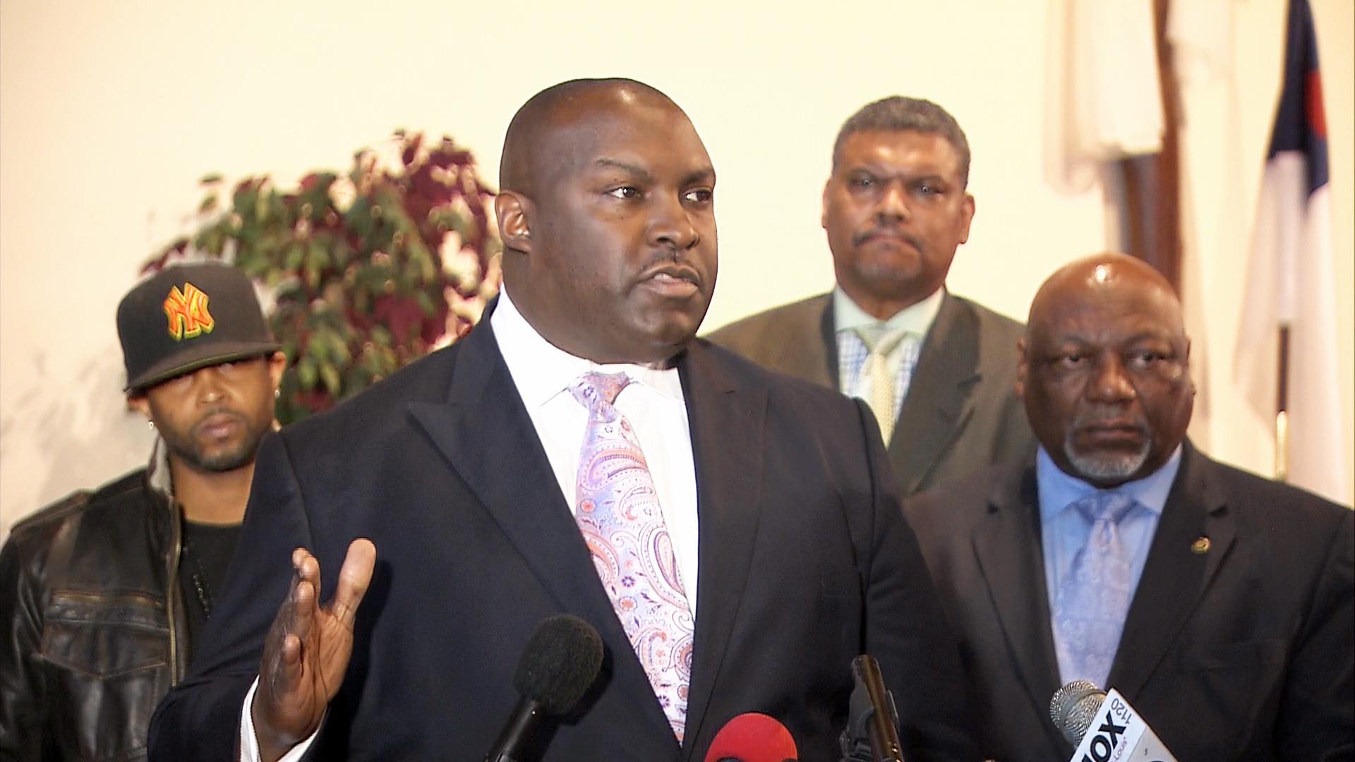 Michael Brown's Parents Plan Lawsuit Against Darren Wilson, Ferguson