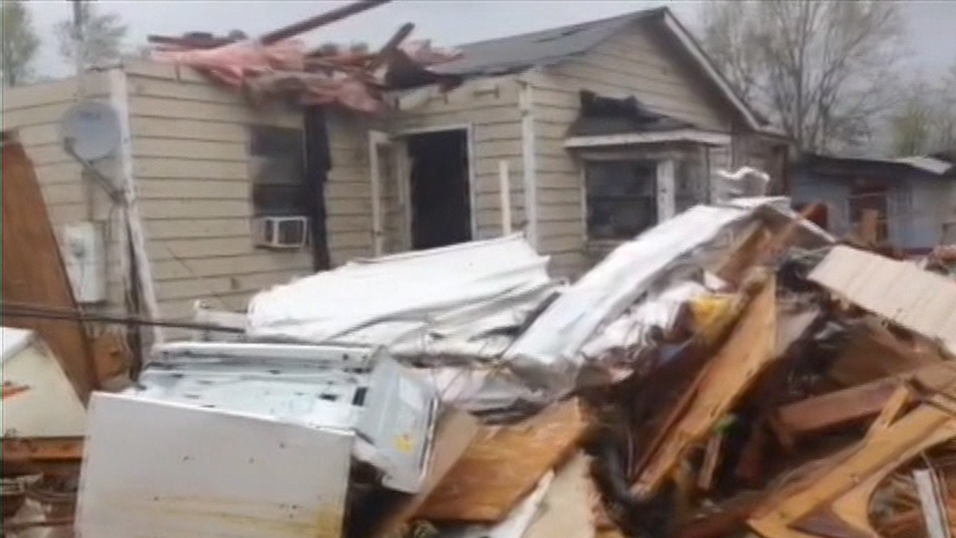 Tornado Levels Homes In Mississippi