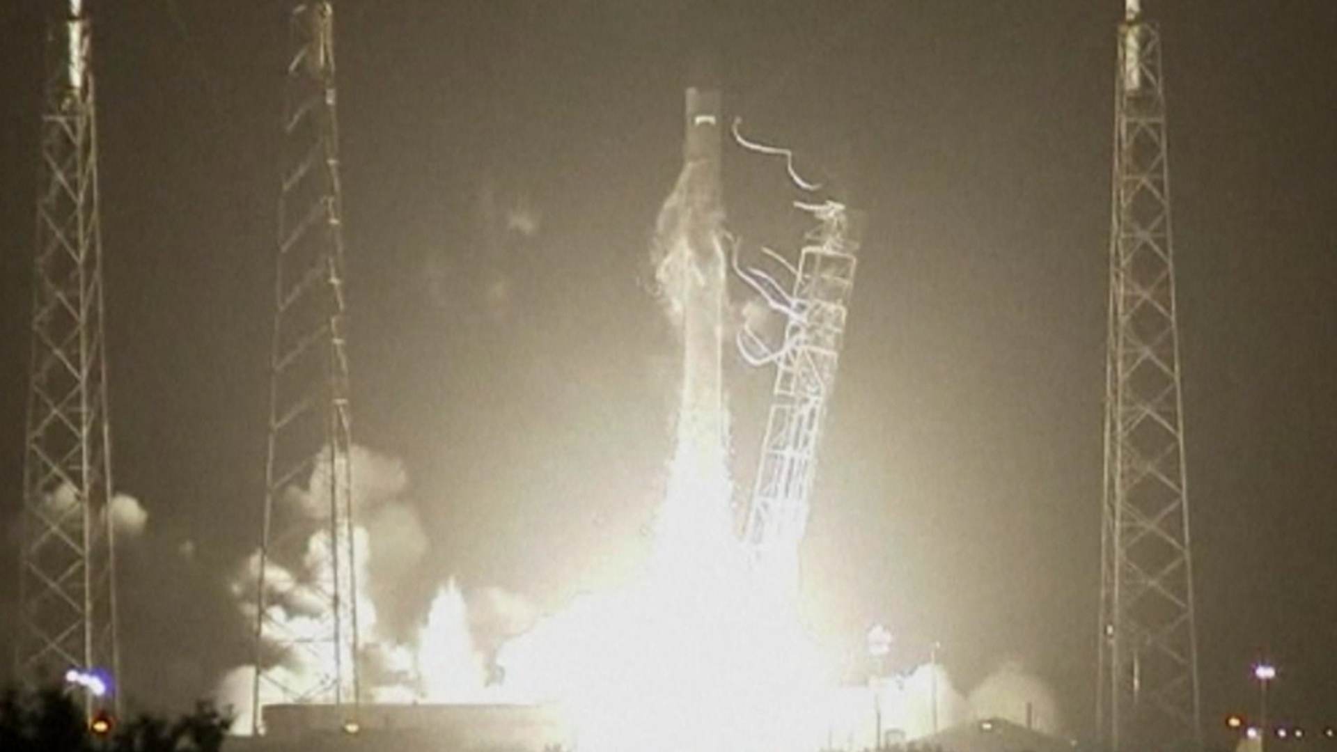 SpaceX Gets Set for Unprecedented Rocket Landing: Follow Along Online