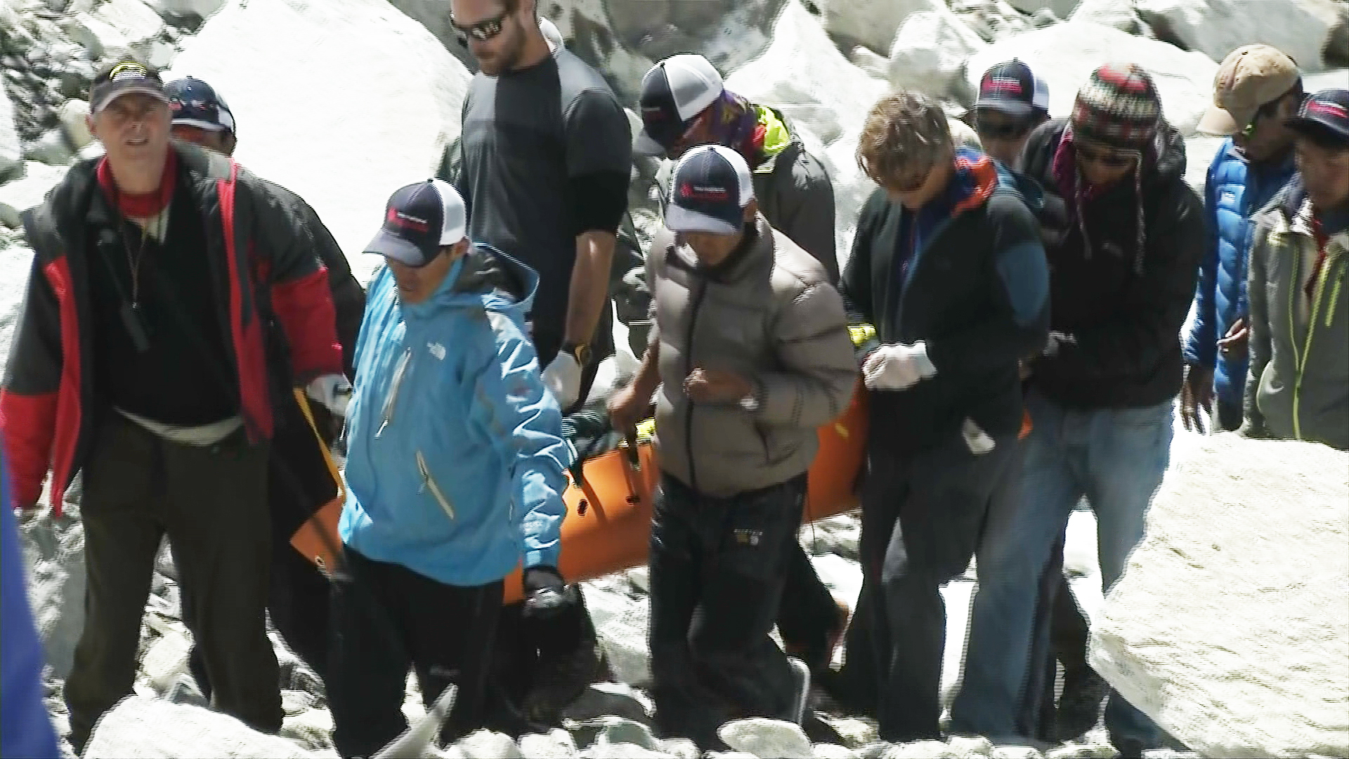 Everest Avalanches Sweep Same Deadly Path Where Sherpas Perished