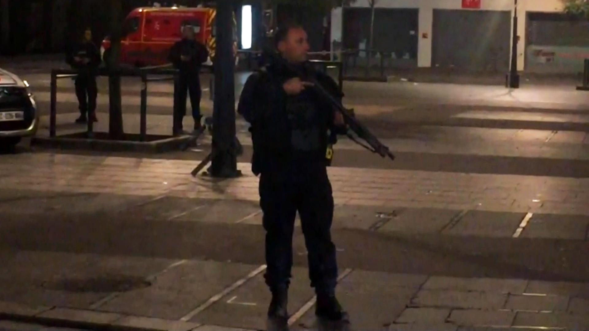 Paris Attacks: At Least 2 Dead, 8 Arrested During Saint-Denis Raid