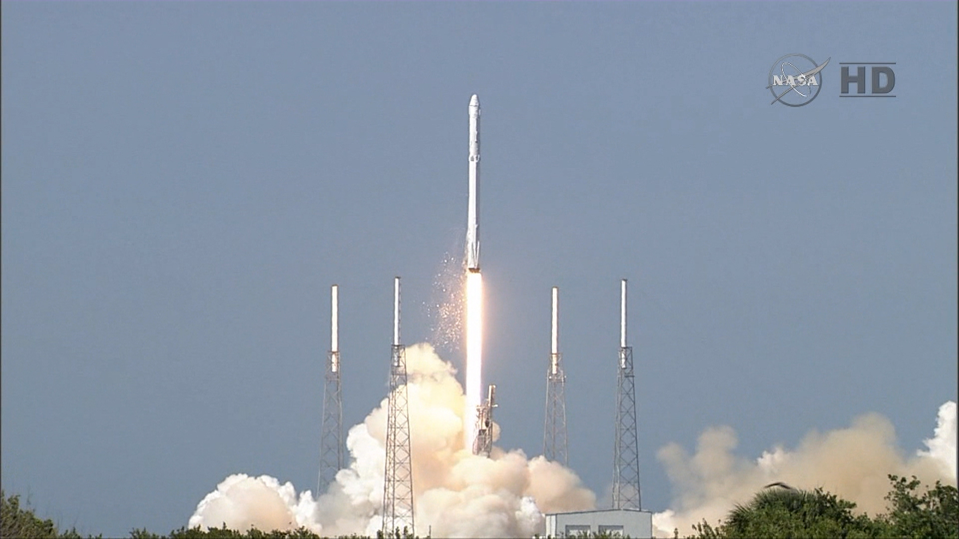 SpaceX Dragon Launch News - Pics about space