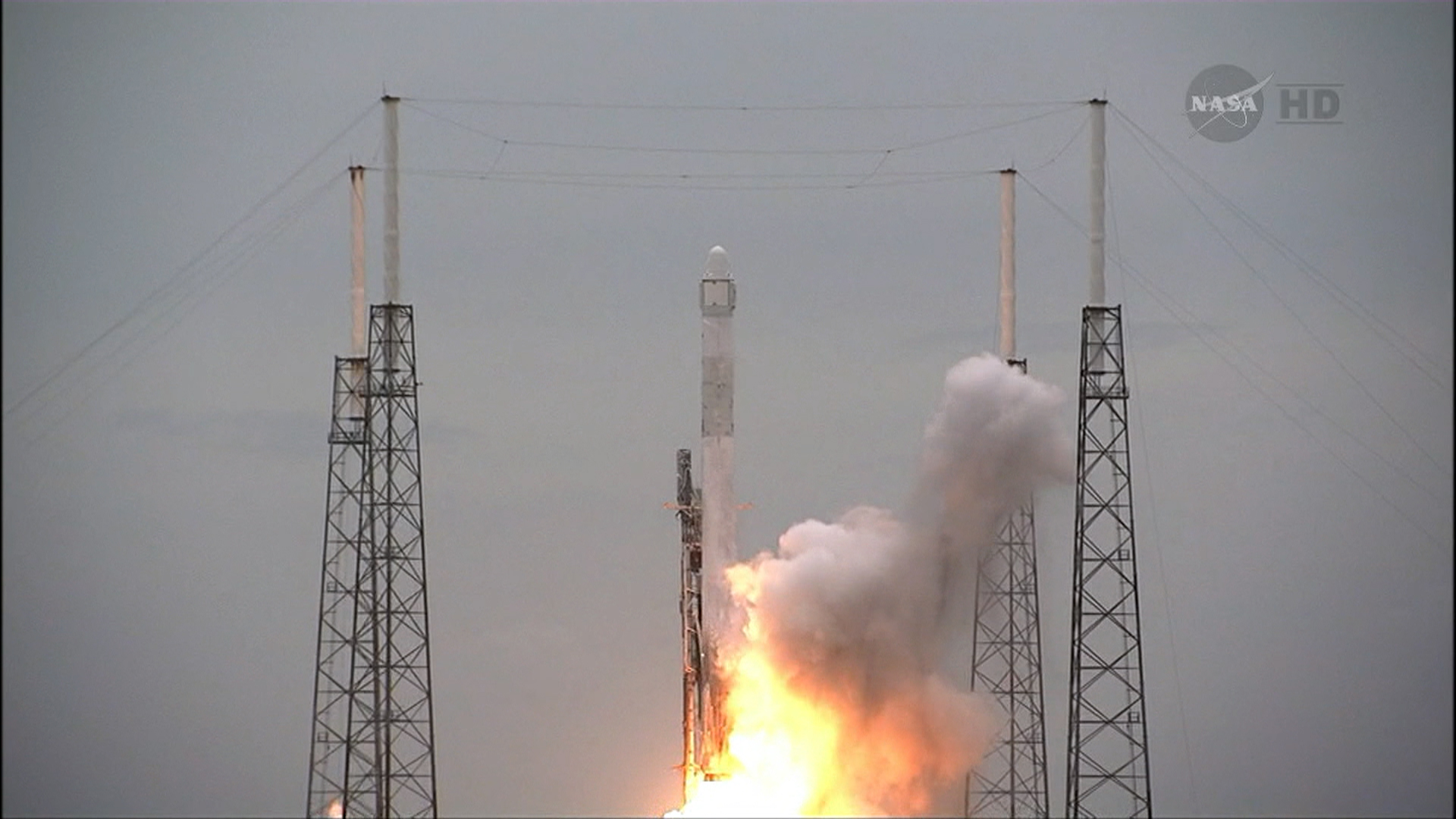SpaceX Moves Closer to Competing for Air Force Launches