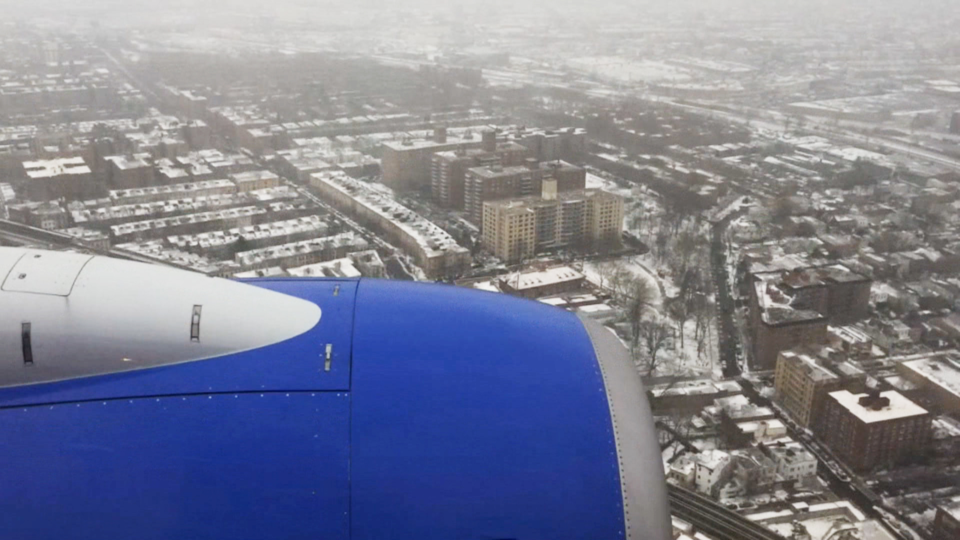 Time Lapse Video of Snowy Landing at LaGuardia - NBC News