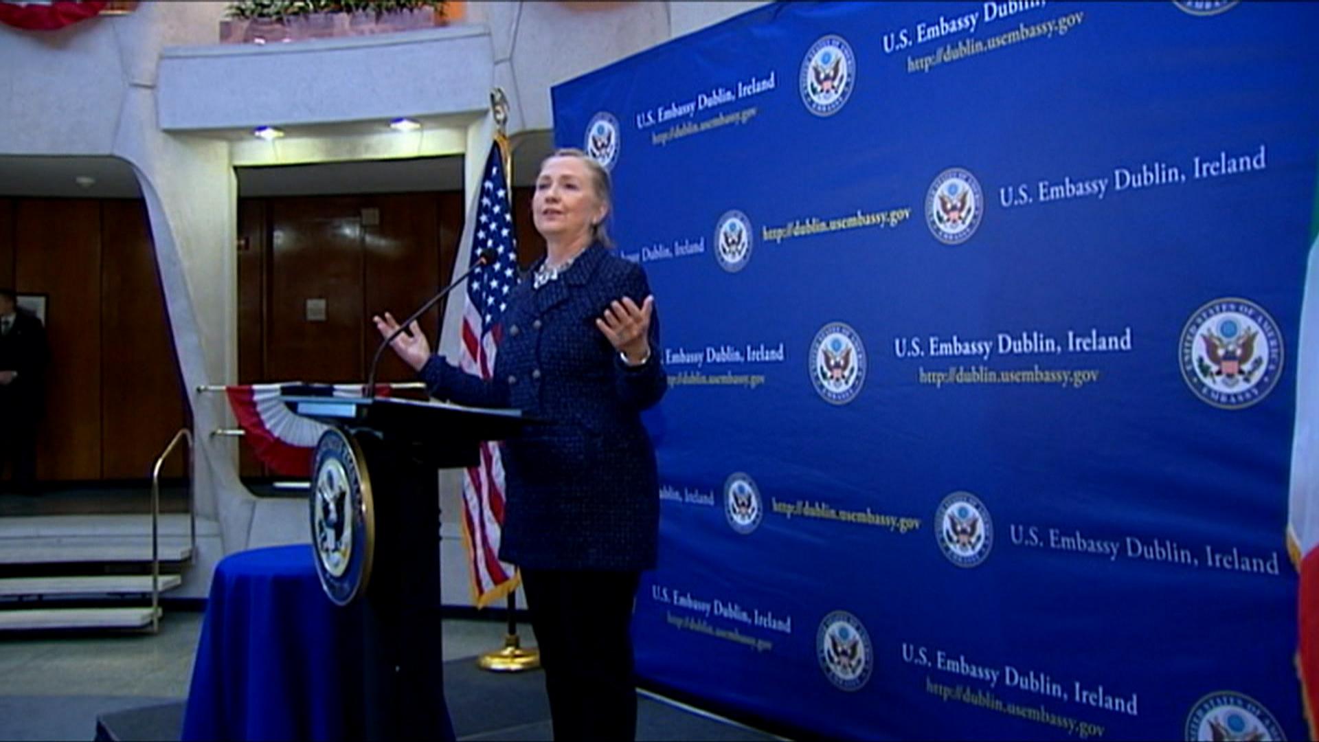 Hillary rallies women in Washington