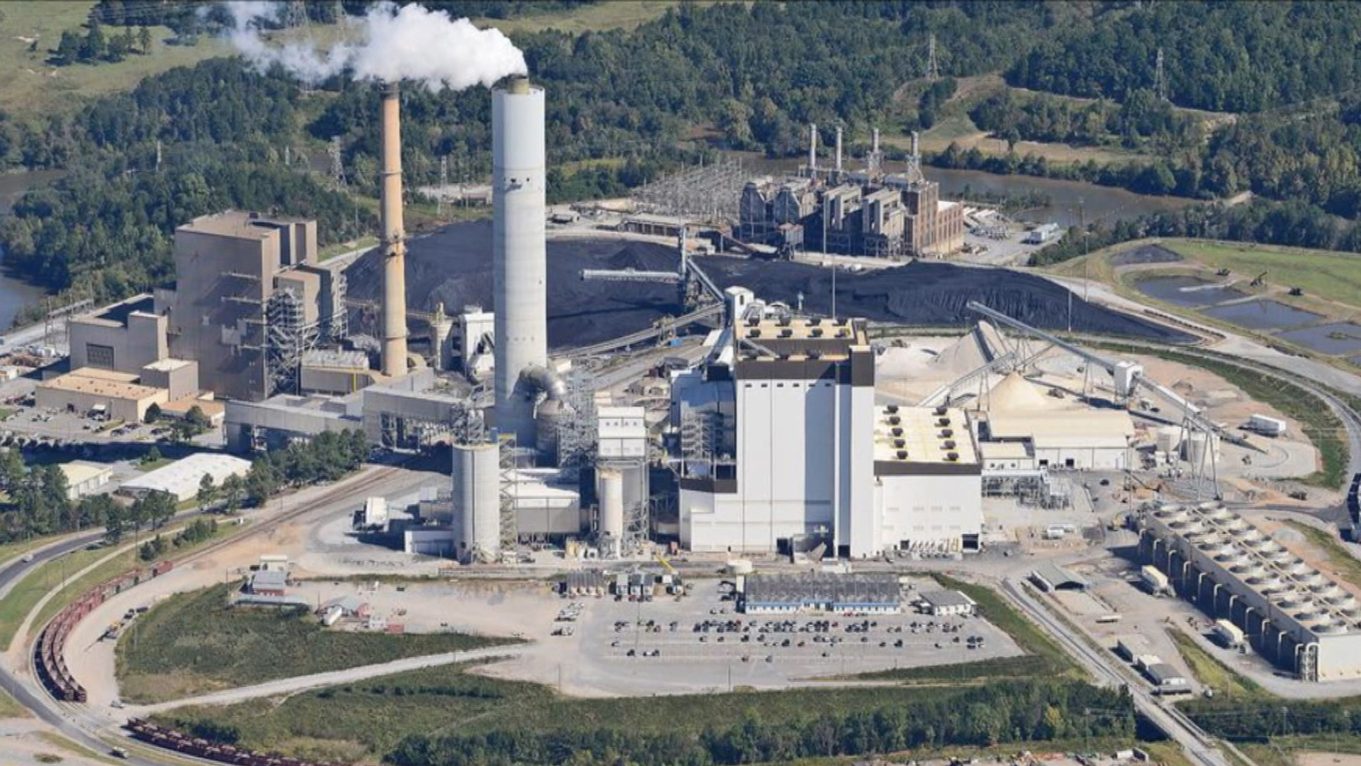Coal ash poison in water even without spill