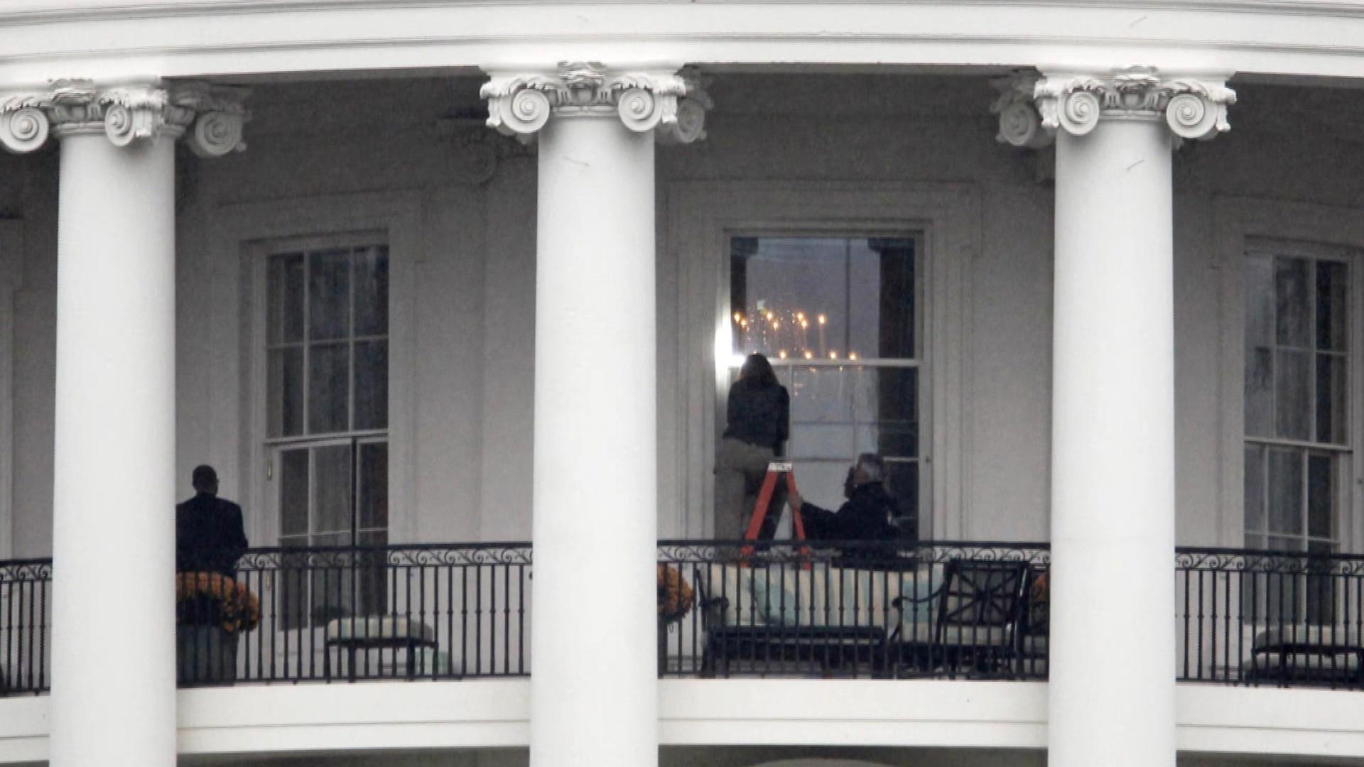Leakers expose Secret Service chaos