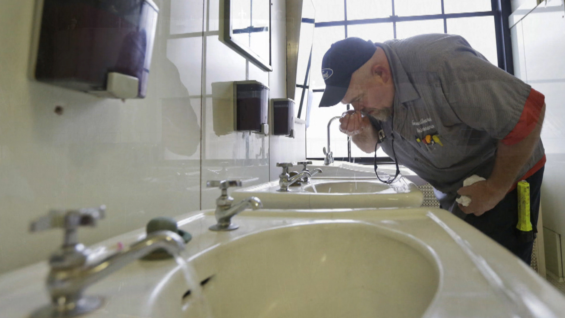 Growing doubts about water safety after spill