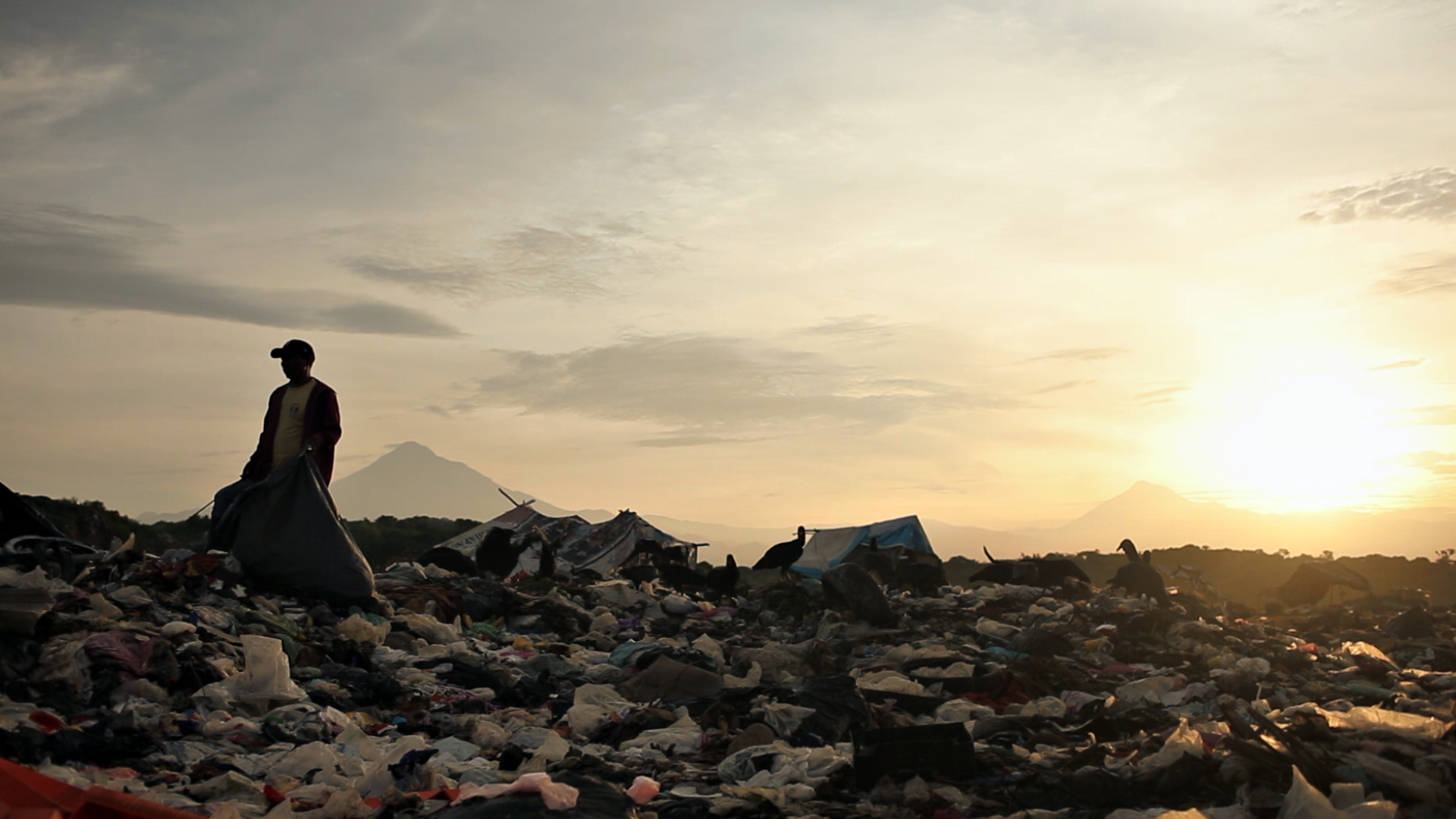 What it's like to live in a landfill in...