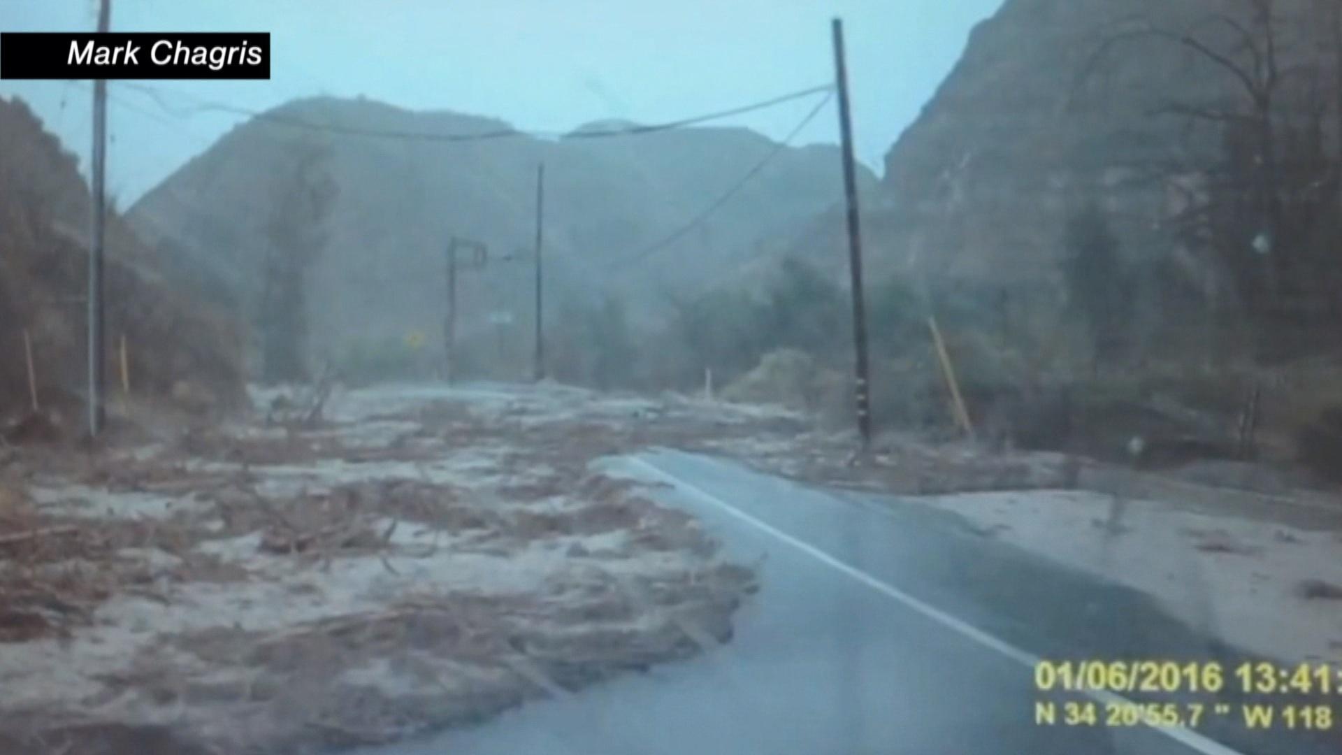 Man narrowly escapes flash flood in CA