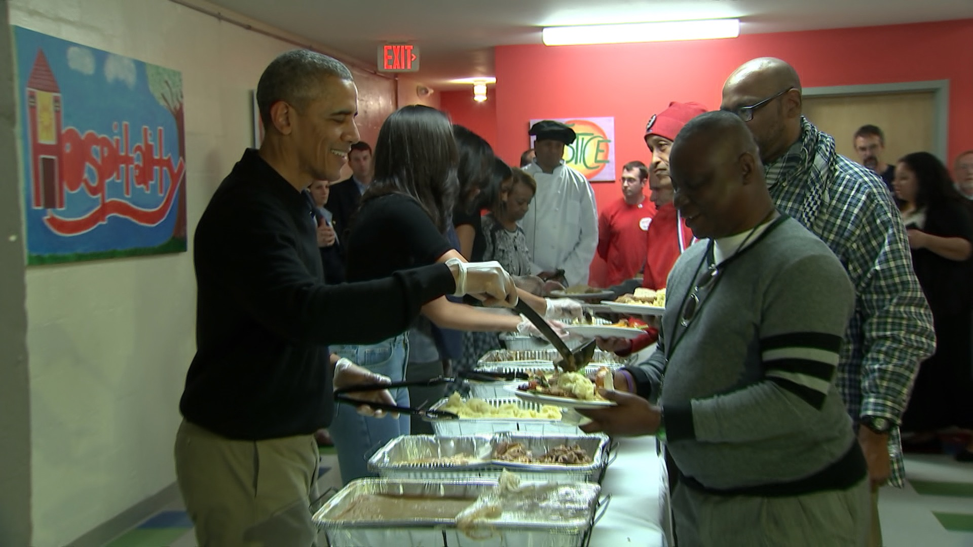 The Obamas serve meals at DC homeless center