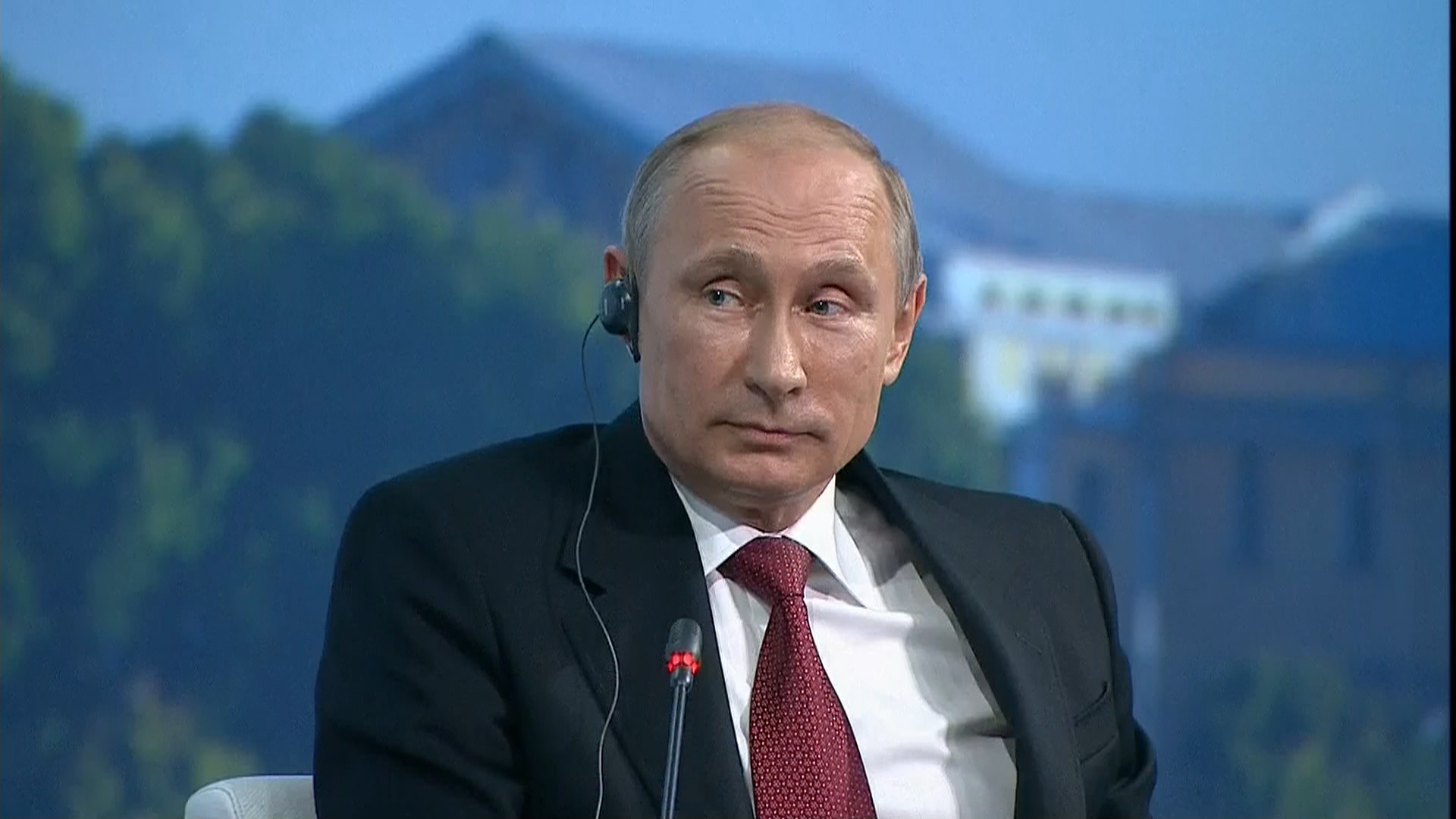Putin: Sanctions hurt Russian economy