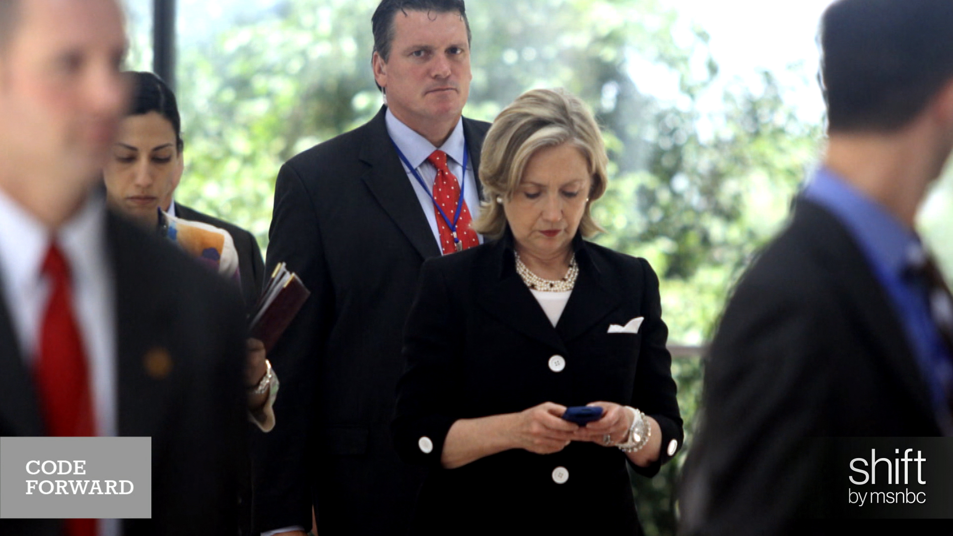 Political fallout grows in Clinton email...