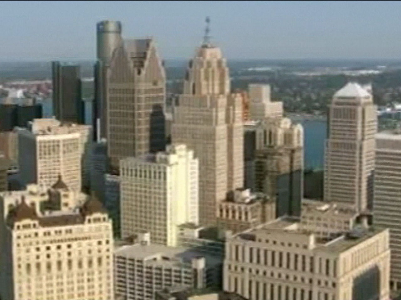 Why is detroit in an economic crisis?