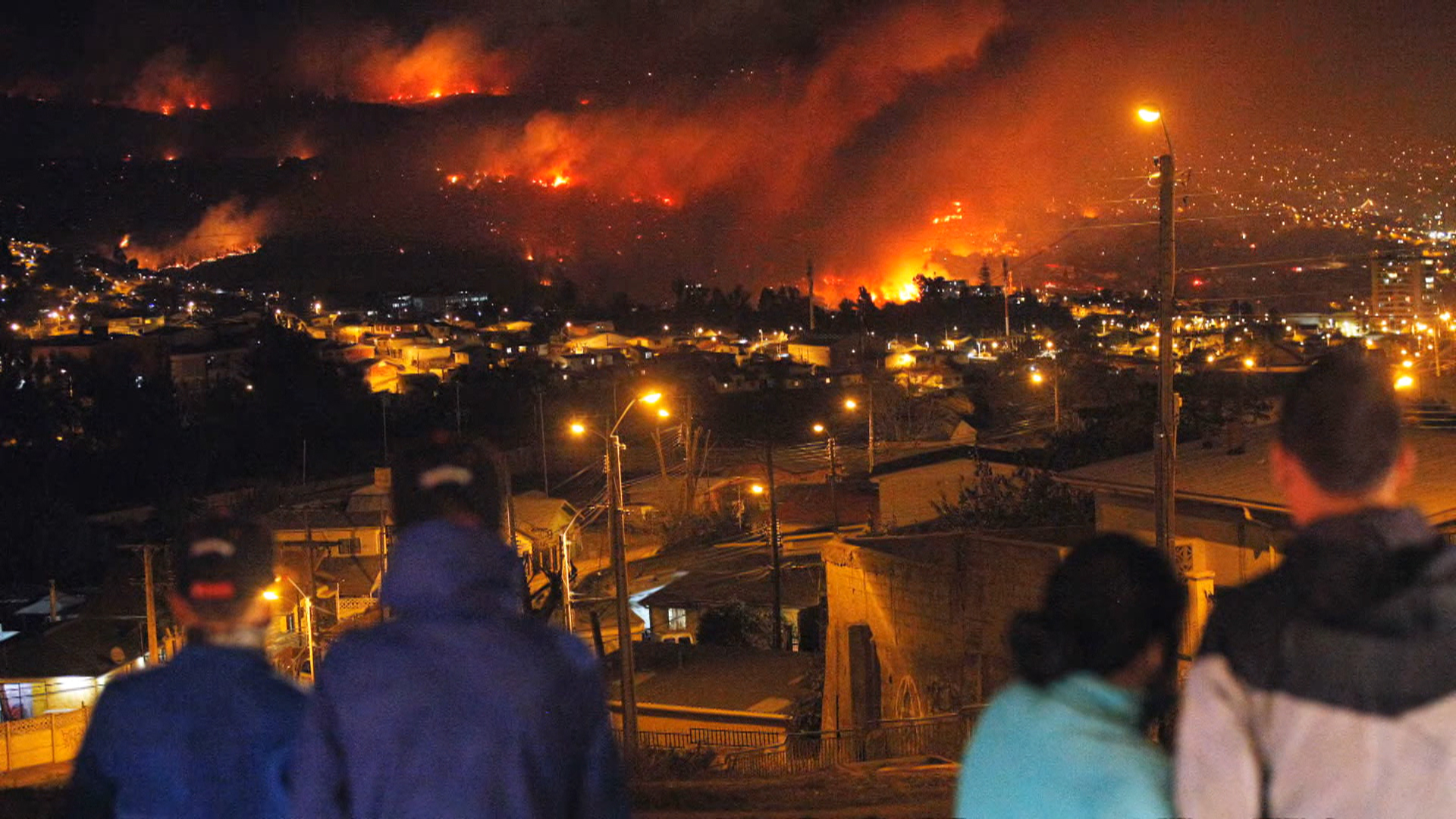 Chile Fire Toll: 12 Dead; 2,000 Homes Destroyed