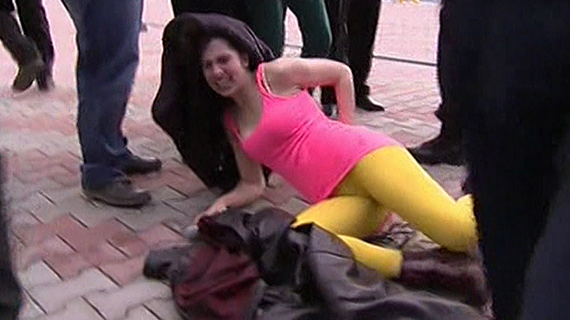 Kelly Clarkson Pussy Pics Pretty pussy riot attackedmilitiamen