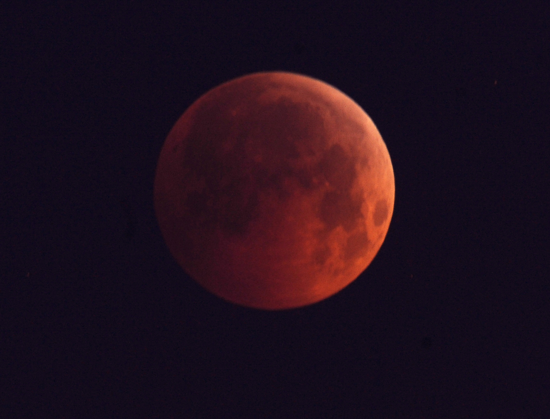 Lunar Eclipse Provides an Extra Twist for Skywatchers: Selenelion