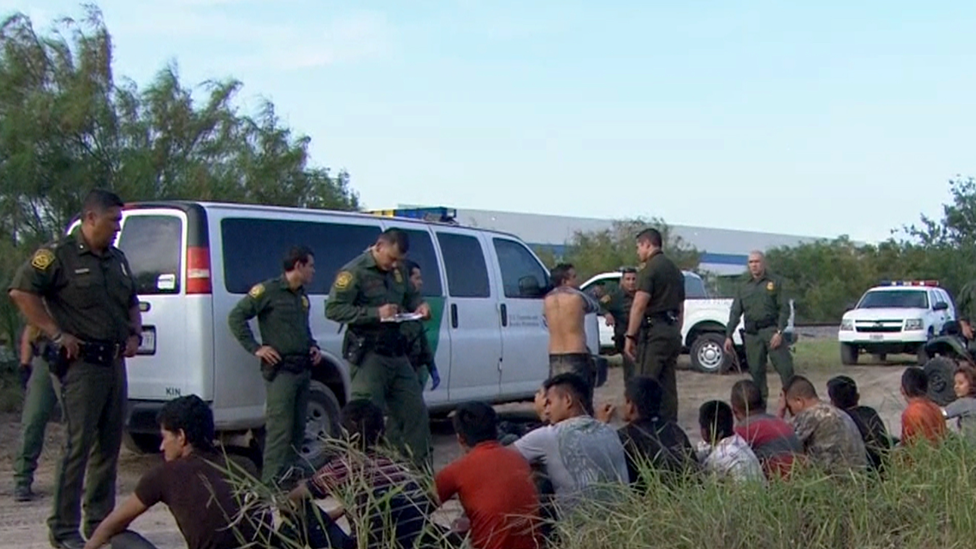 Arizona Residents Protest Arrival of Undocumented Immigrant Children