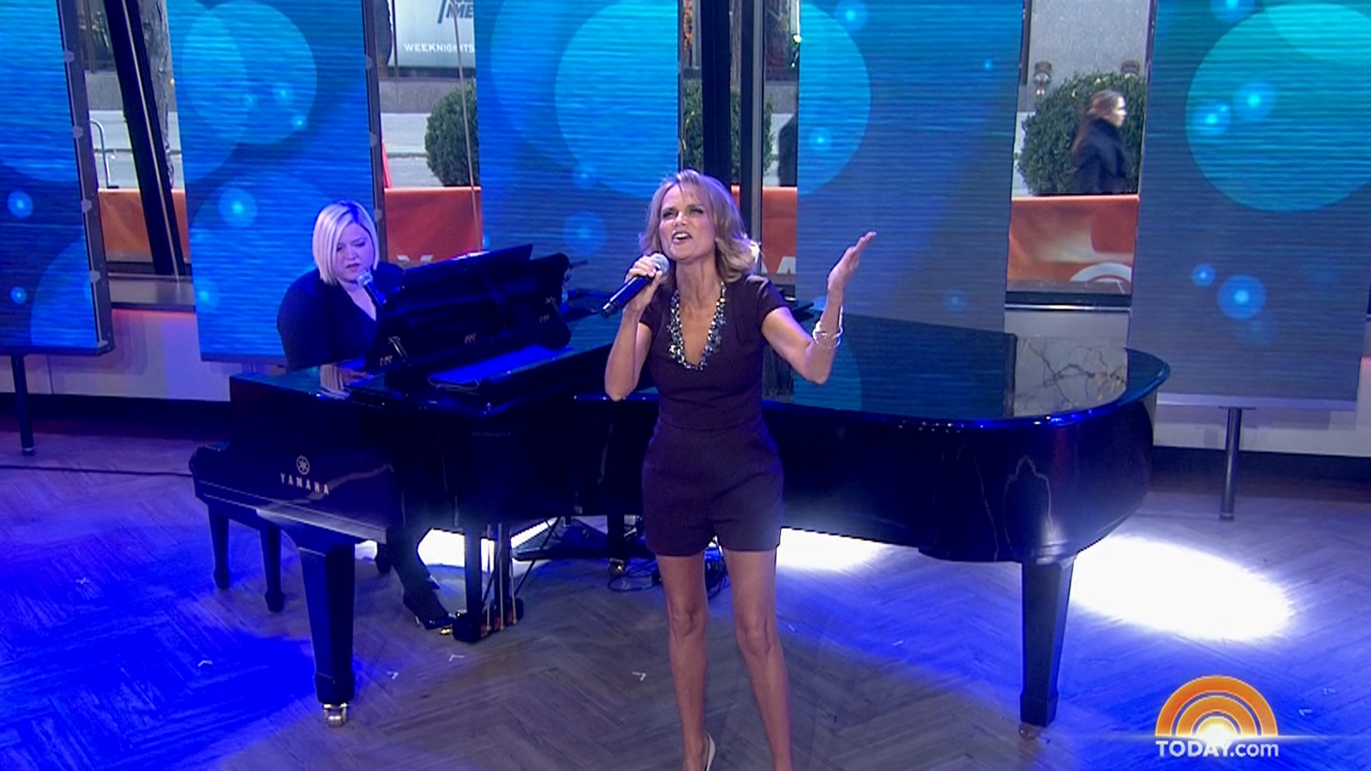 Kristen Chenoweth performs 'Heart of the Matter'