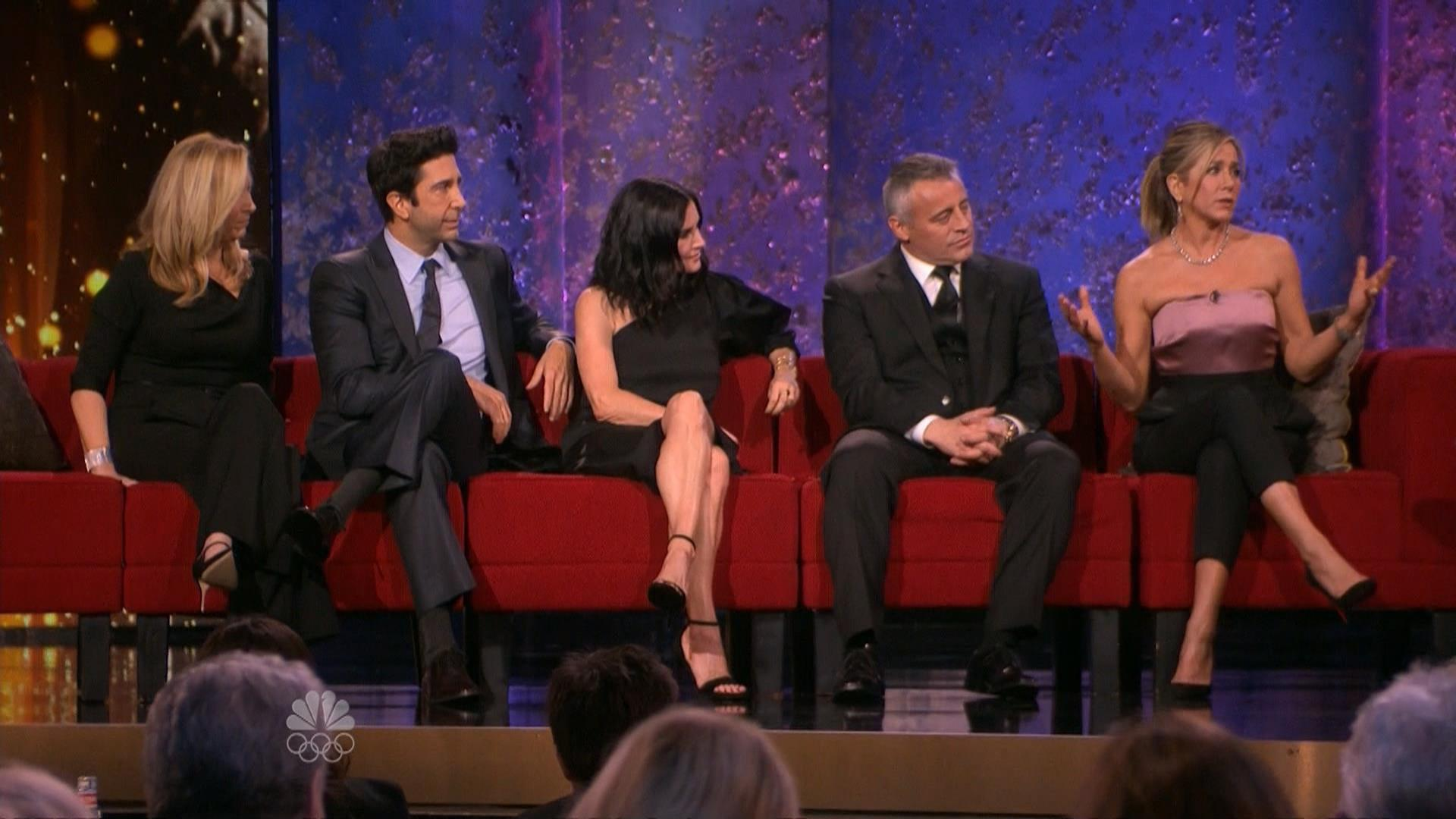 �friends� cast reunites and internet responds with love