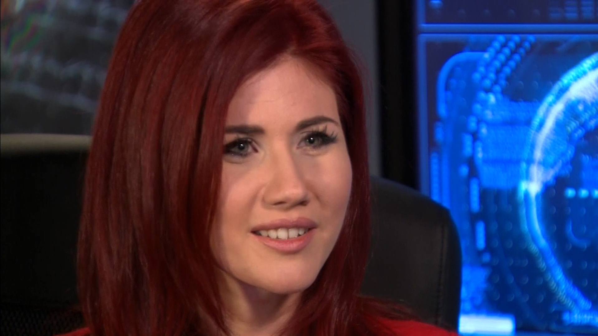 Edward Snowden and Anna Chapman will get married 3