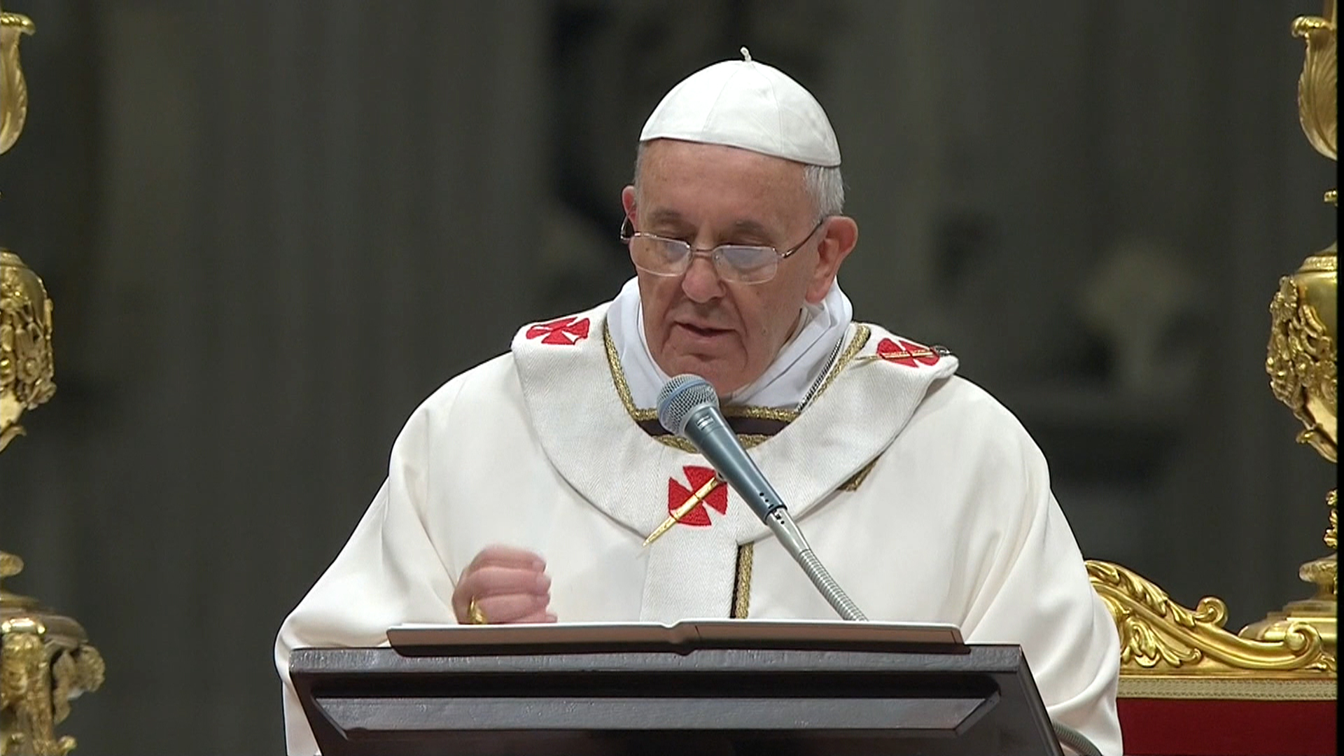 Pope Francis celebrates midnight mass TODAYcom