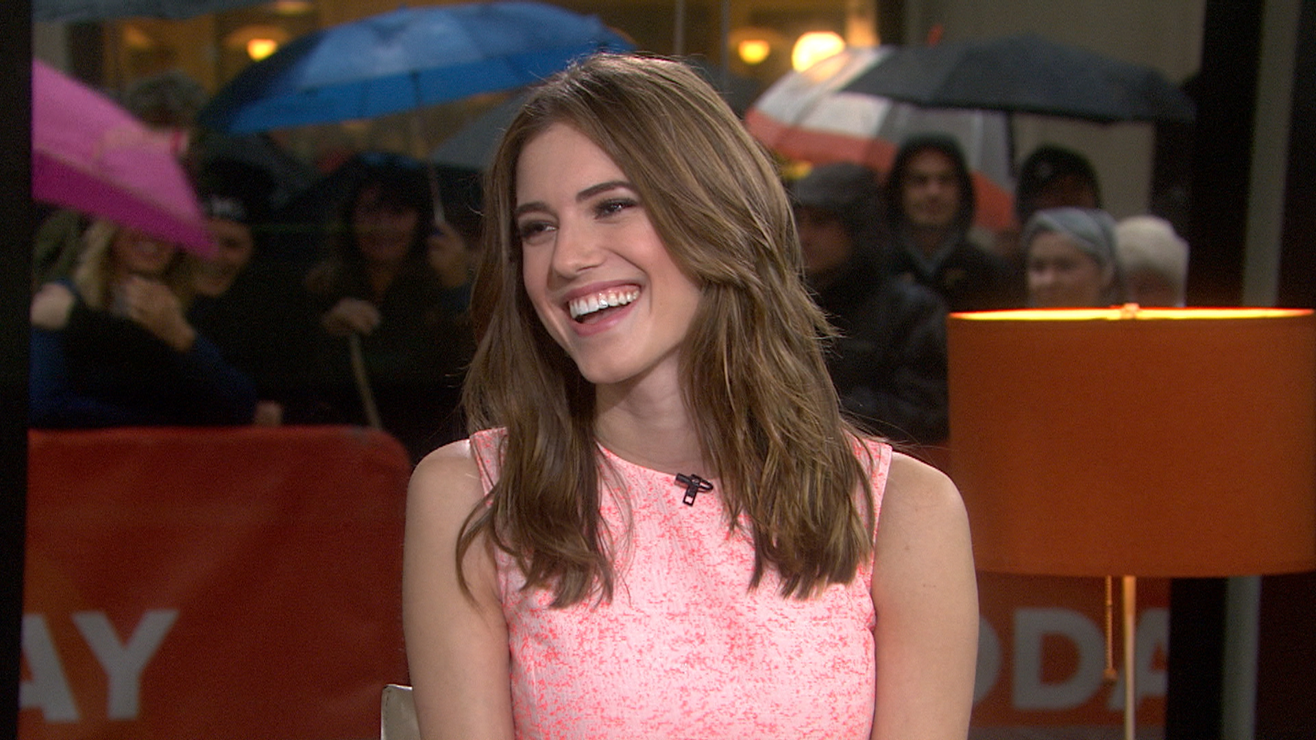 'Girls' star Allison Williams warns 'things are definitely ...