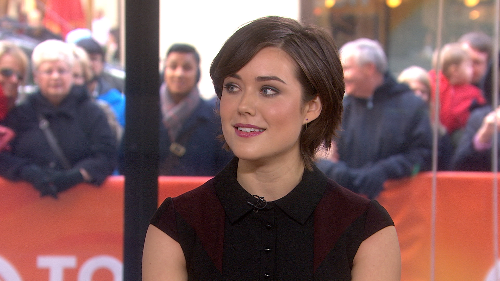 'Blacklist' star Megan Boone deals with hairy situations ...