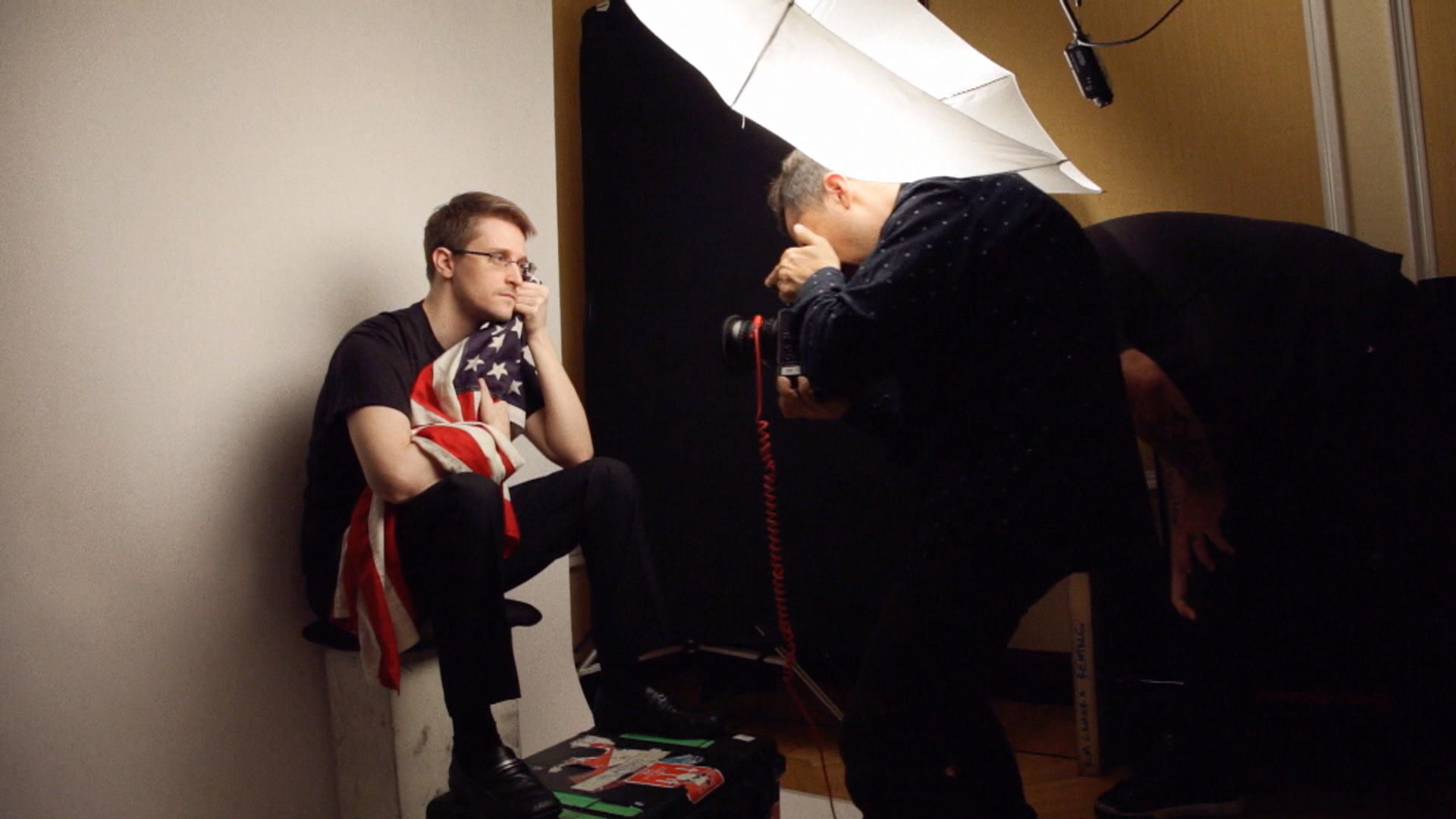 Edward Snowden tells WIRED magazine: I would \'volunteer for prison ...