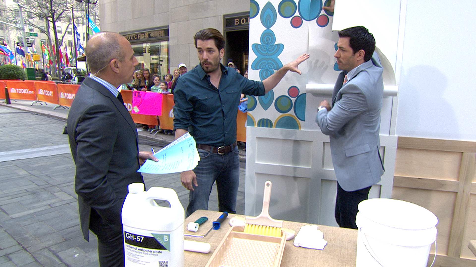 From Paint To Pillows Property Brothers Offer Tips For