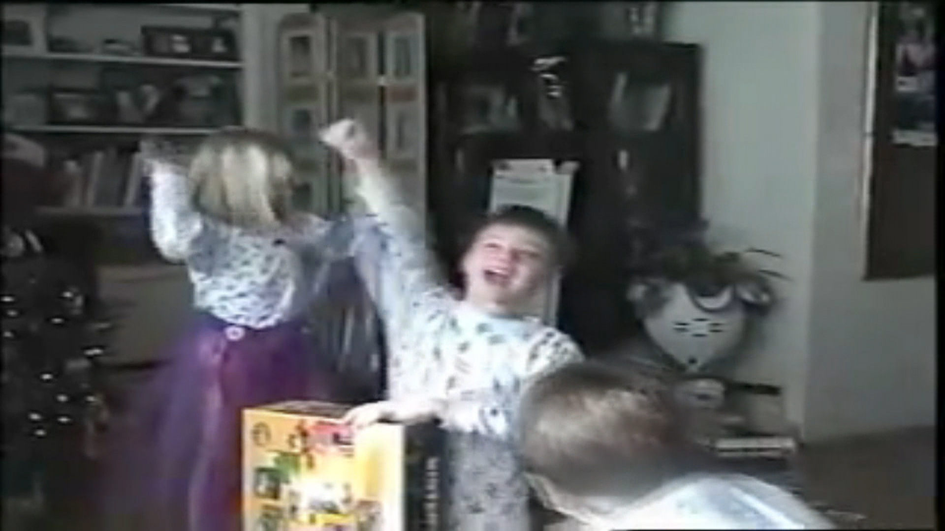 Nintendo kids\' recreate viral Christmas excitement