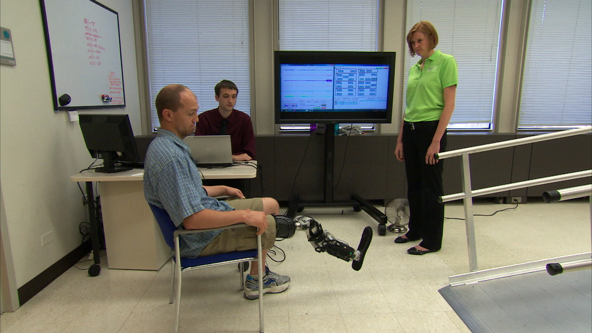 First mind-controlled bionic leg a 'groundbreaking' advance