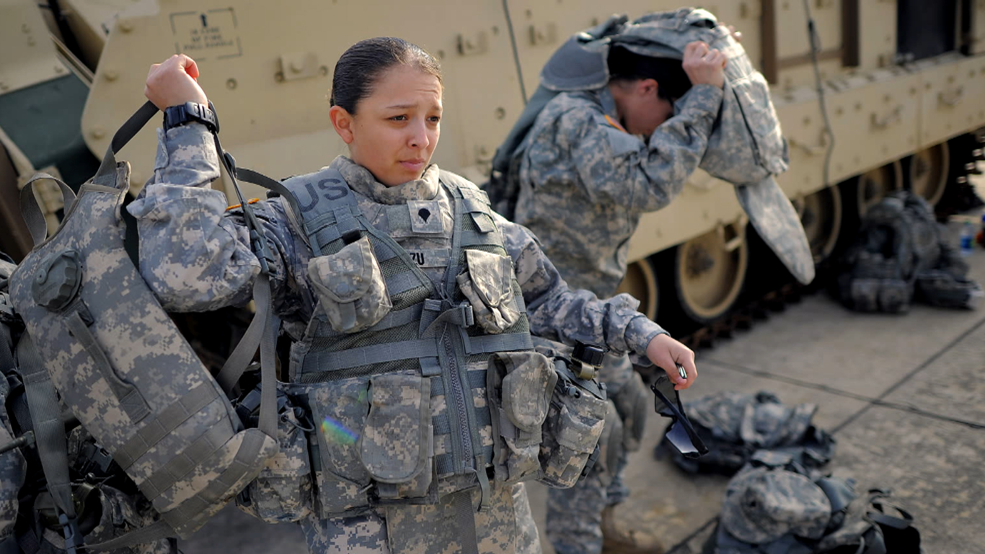 pentagon opens door to all combat roles for women