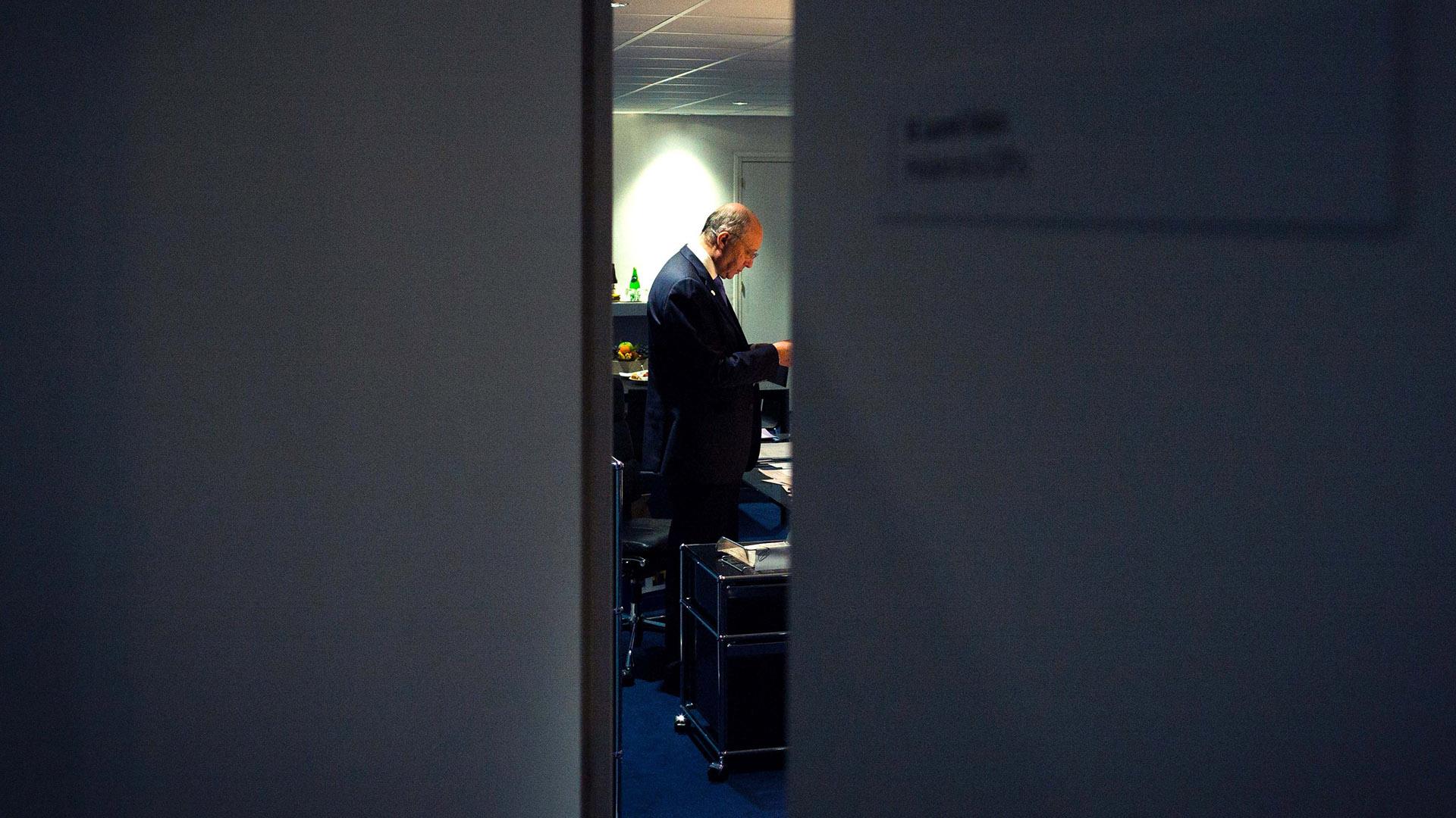 Disputes Send Paris Climate Talks Into Overtime