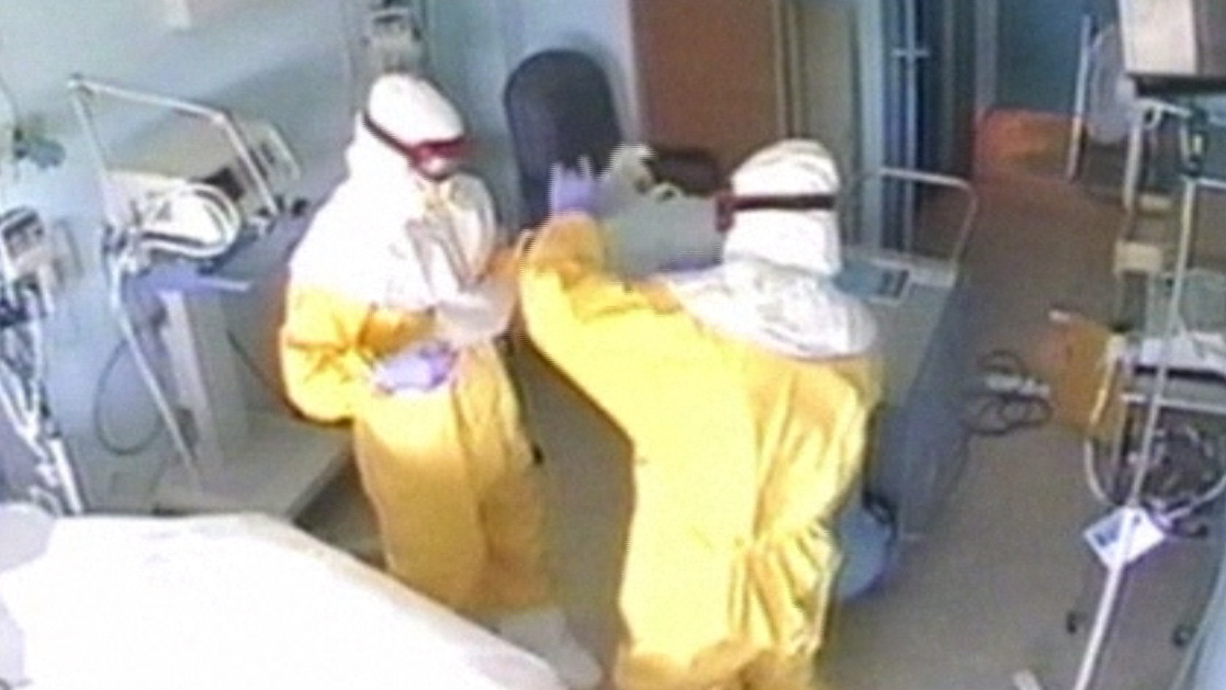 Spanish Ebola Patient's Gloves May Have Transmitted Virus: Doctor