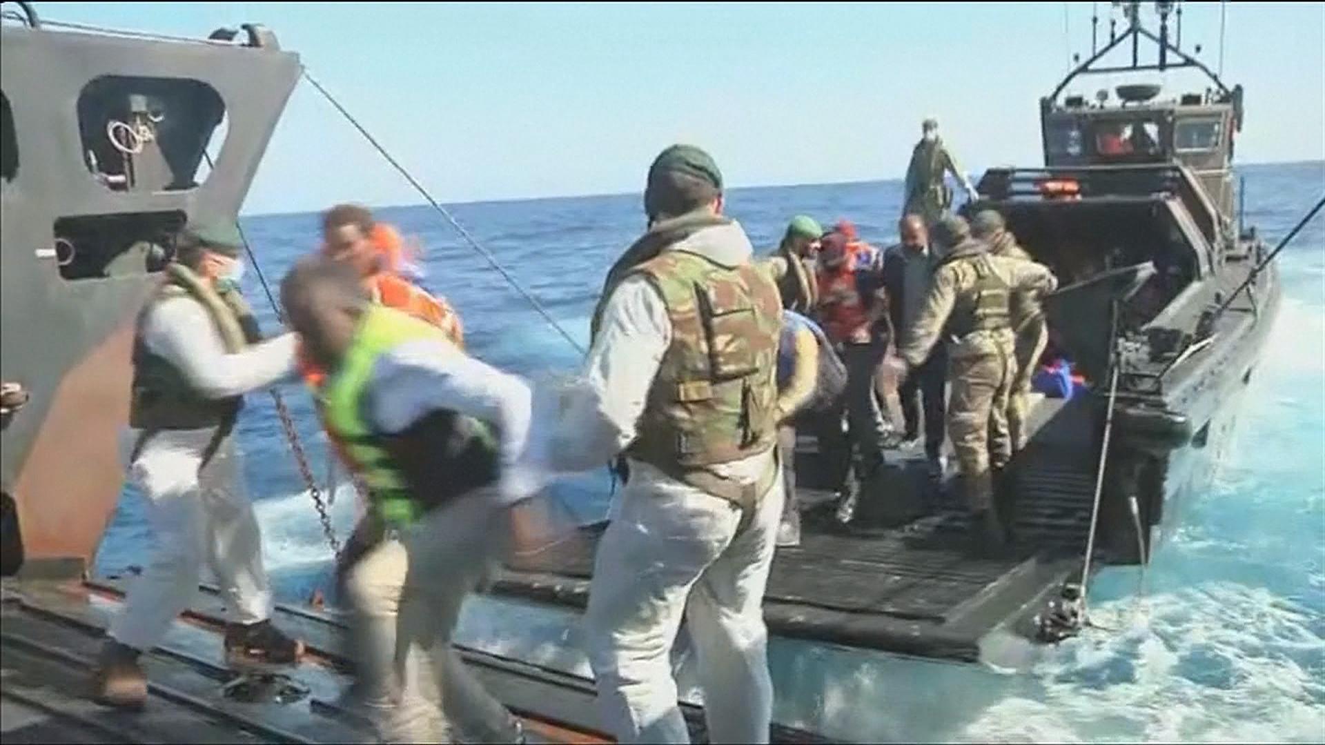 Royal Navy Ship HMS Bulwark Rescues Hundreds of Migrants Off Libyan Coast