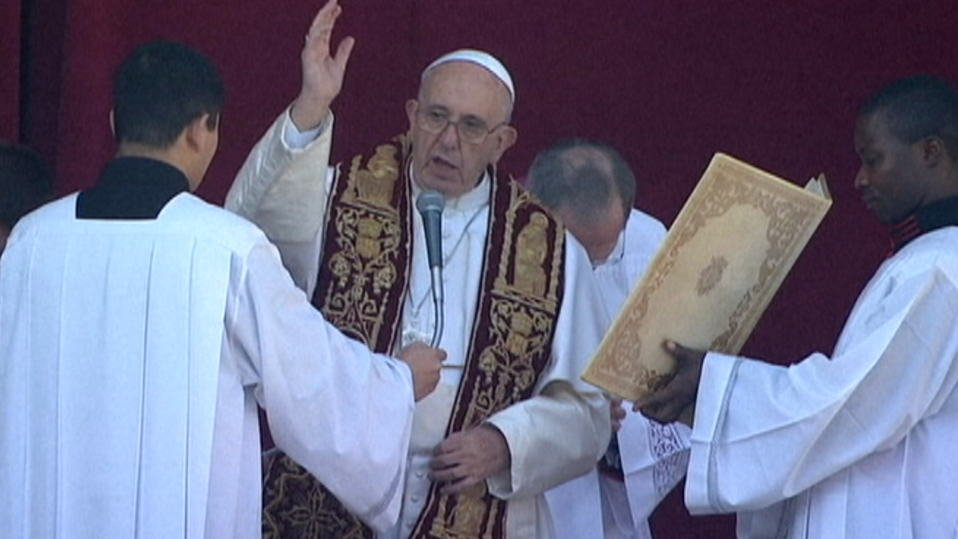 Pope Francis Uses Christmas Message to Speak Out Against Terror