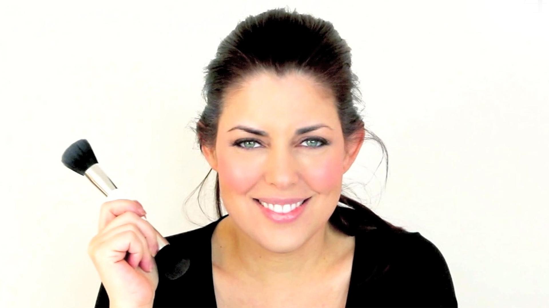 Bobbie thomas makeup