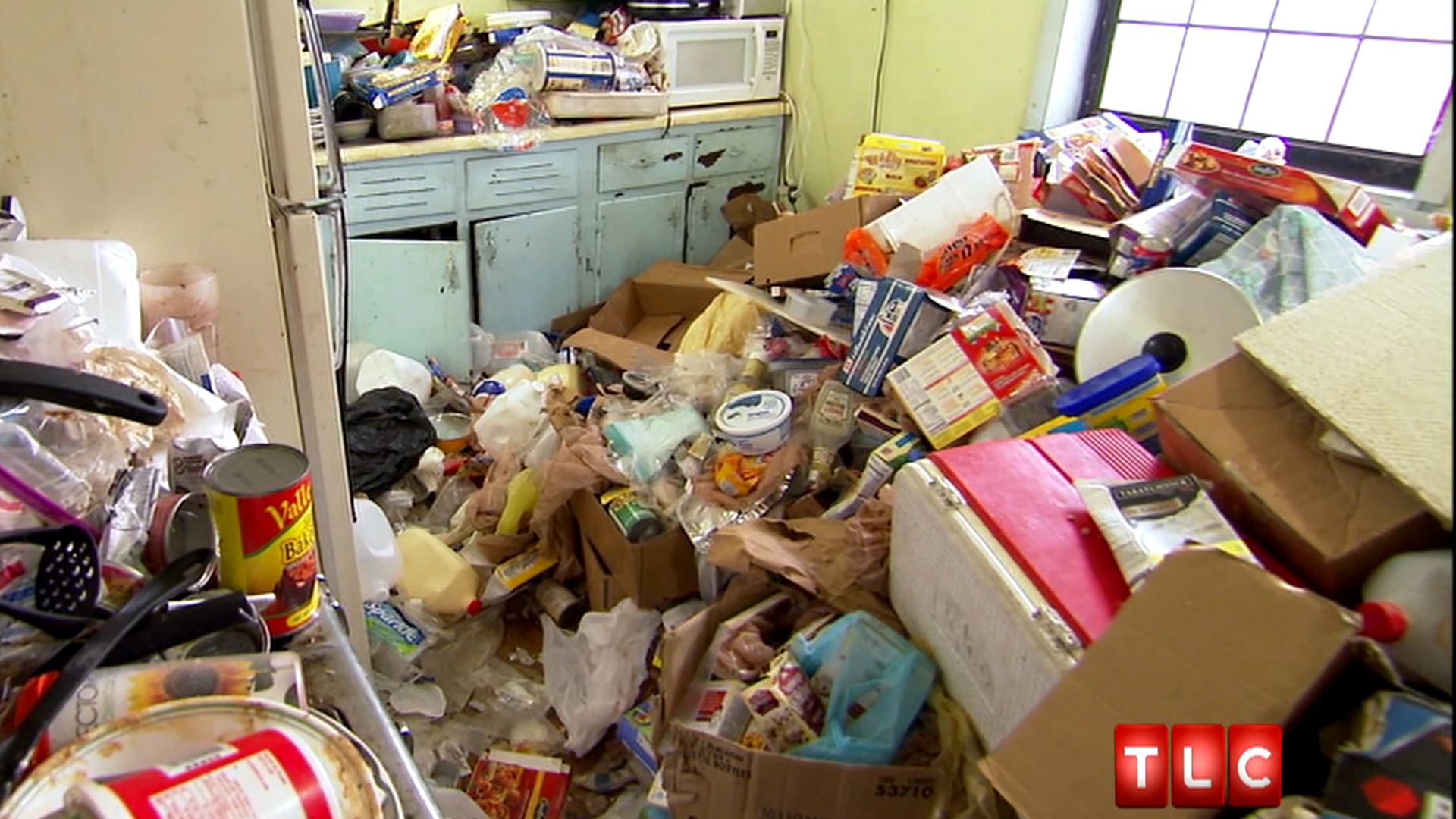 Hoarders Craft Room Mess