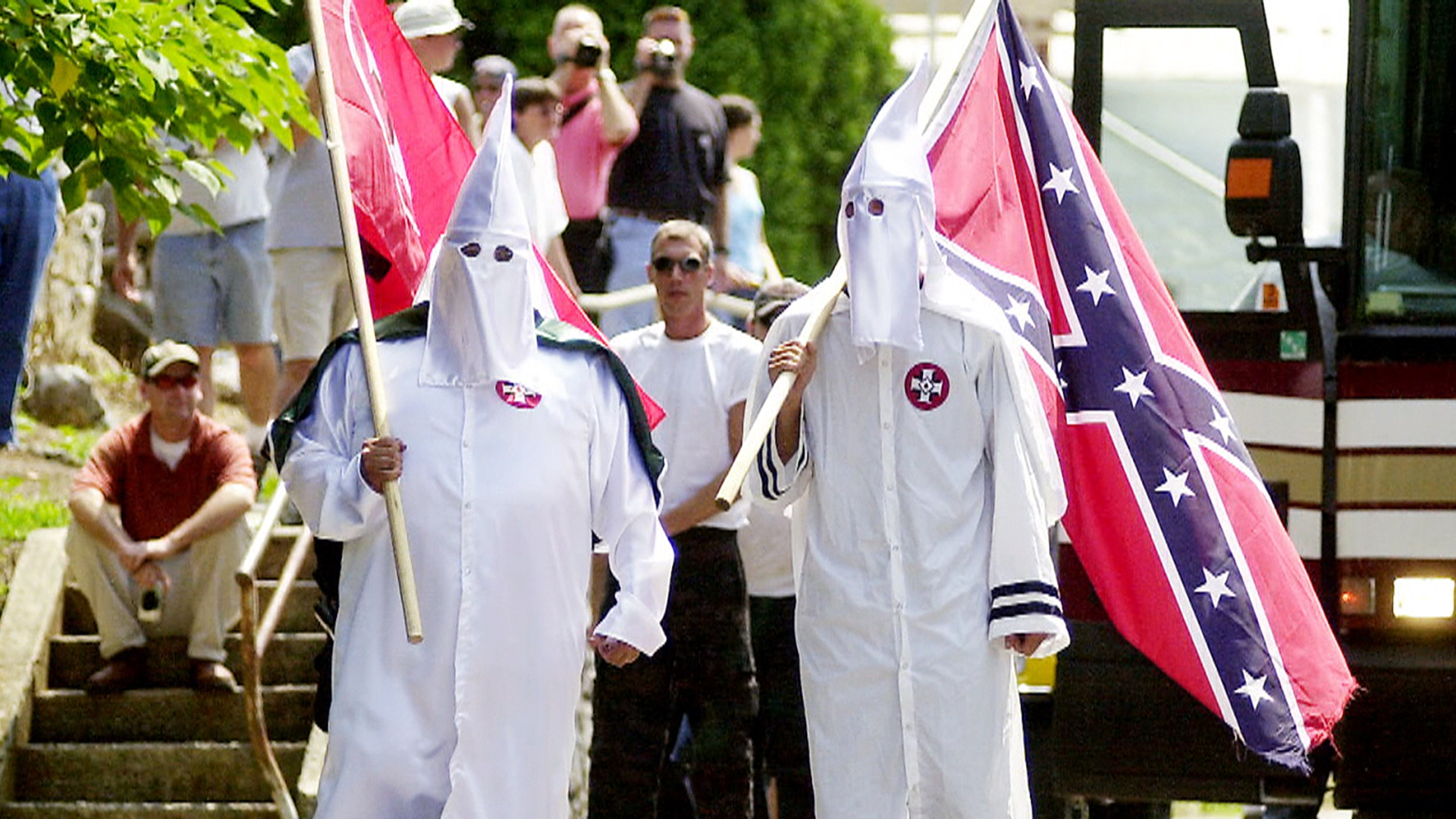 the ku klux klan of the Donald trump is trying to clean up a racially charged controversy monday after he refused to disavow former ku klux klan grand wizard david duke over the weekend.