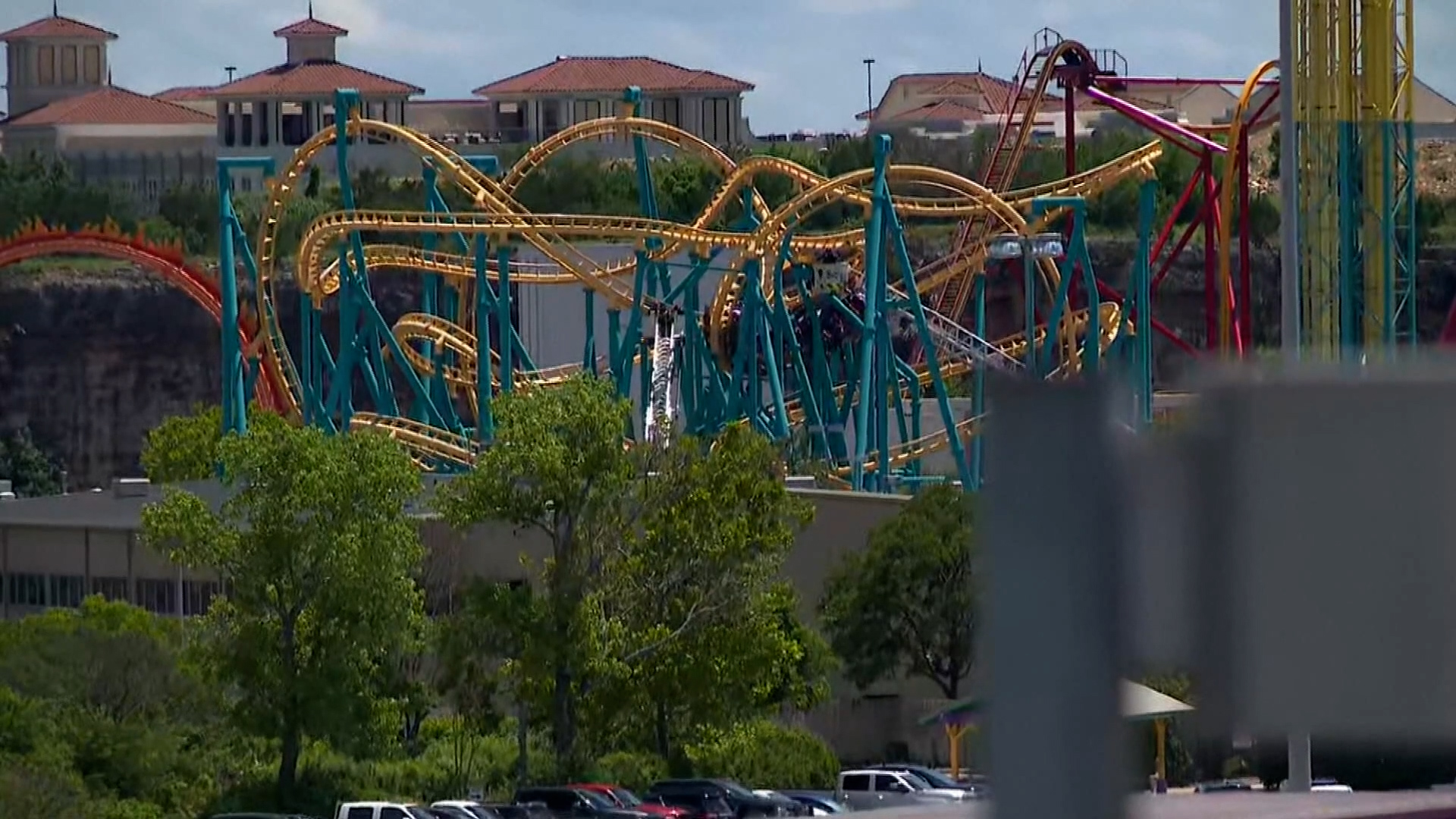 Six Flags Great America Offering Free Tickets For Covid 19 Vaccinations