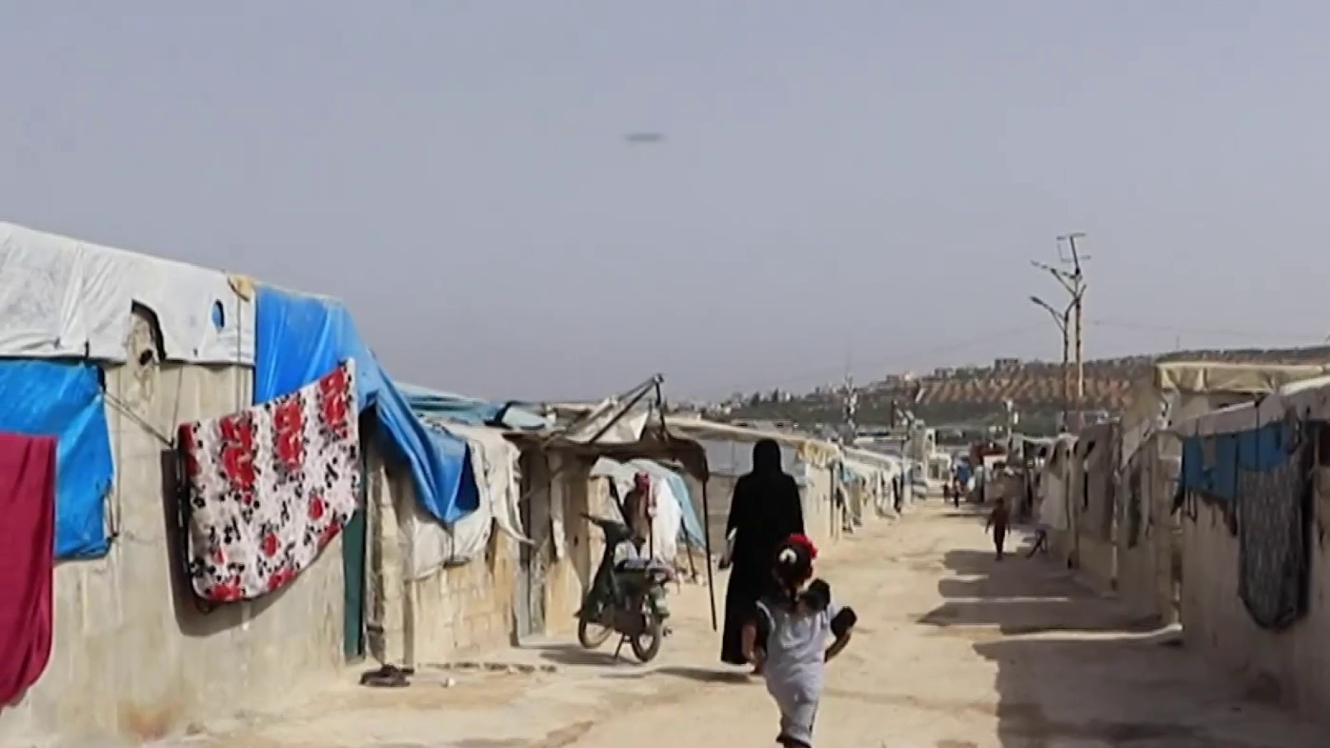 Crisis in Syria as Russia threatens to cut off aid