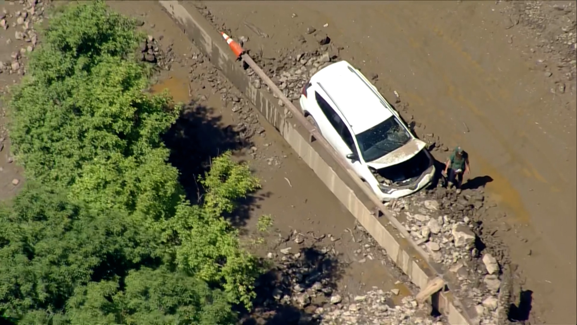 Mudslide traps over a hundred motorists overnight in Colorado