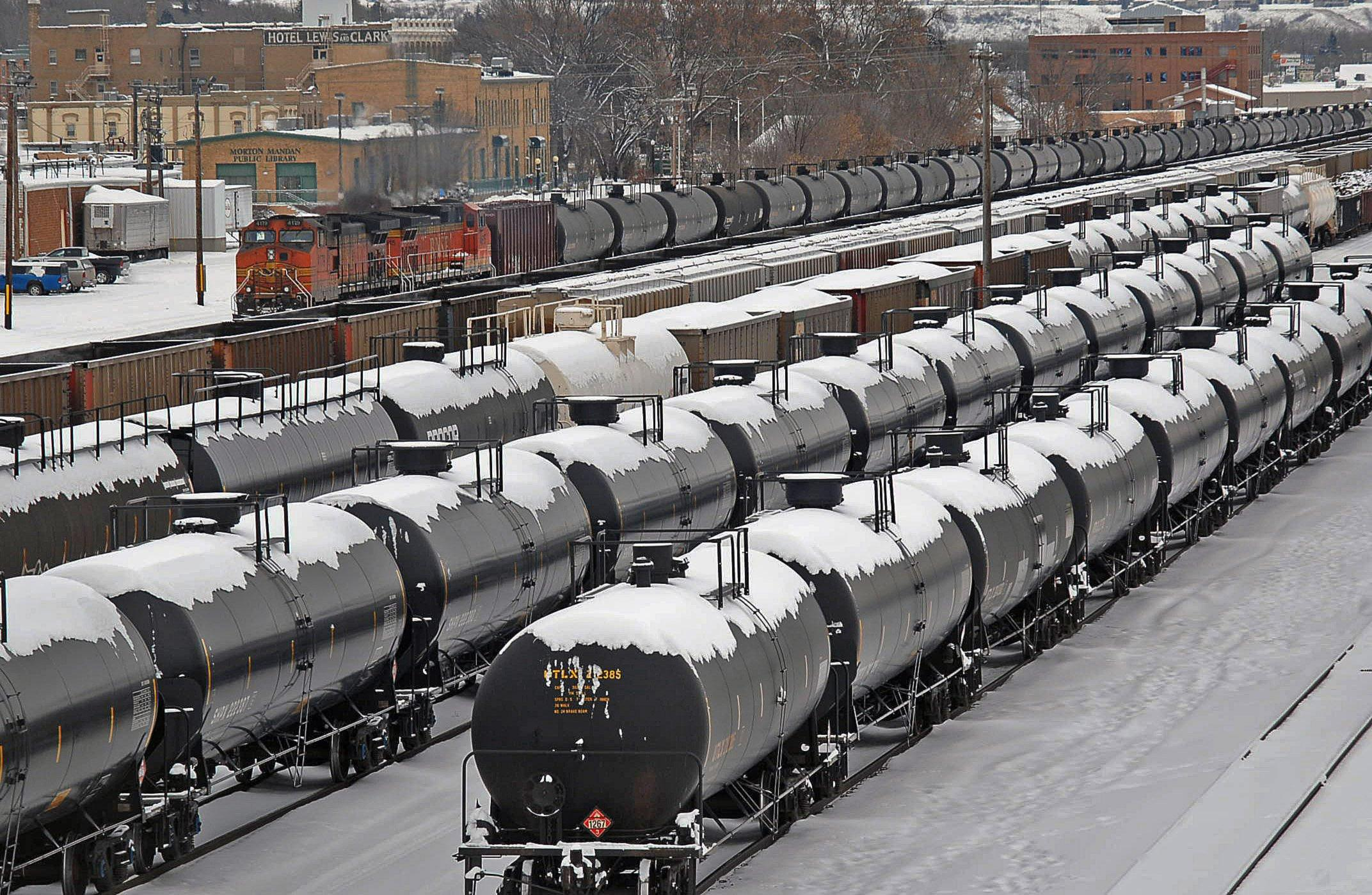 Image: Rail cars backed up after North Dakota derailment