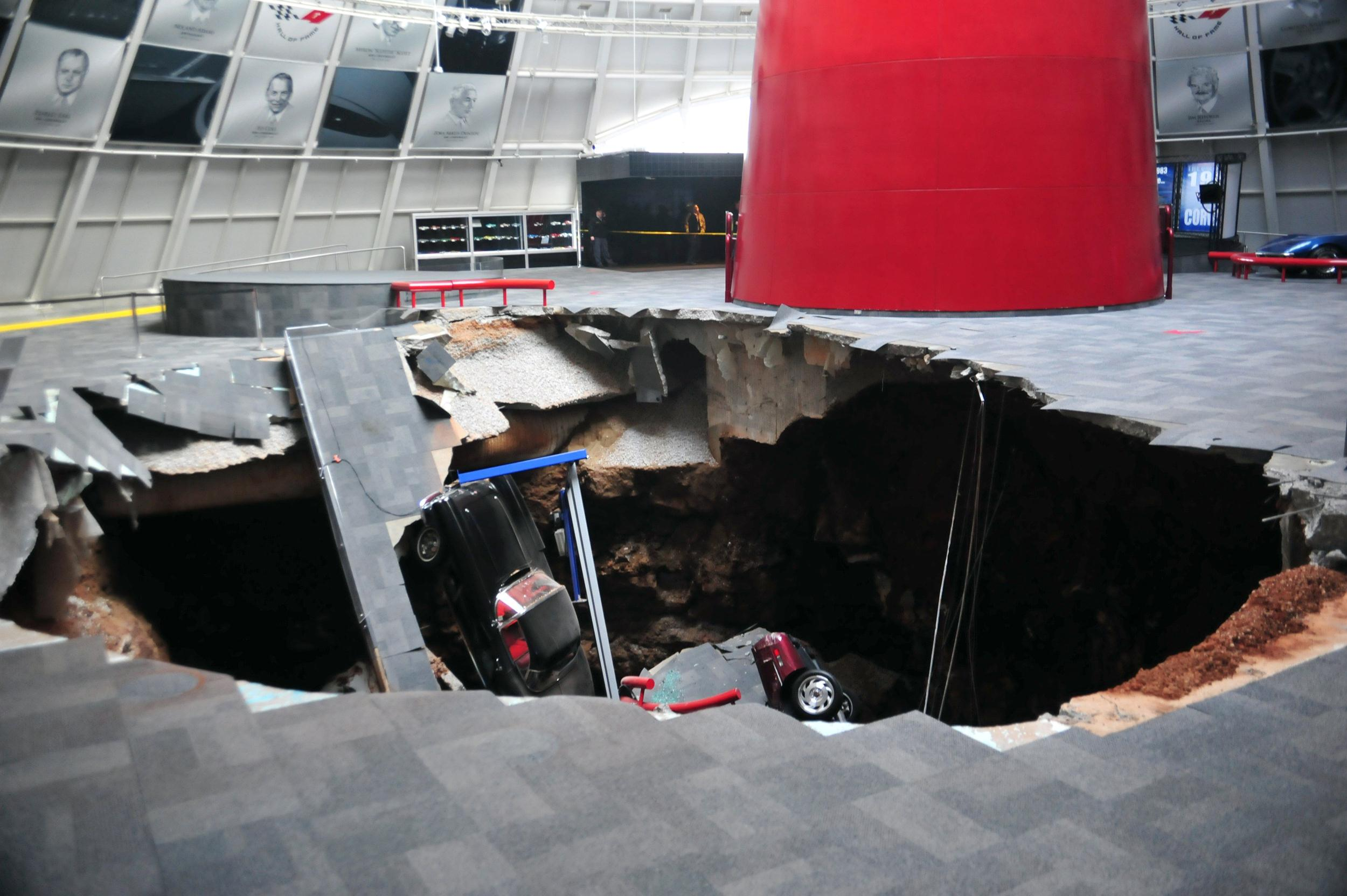Image: National Corvette Museum photo shows a sink hole that swallowed eight Corvettes in Bowling Green