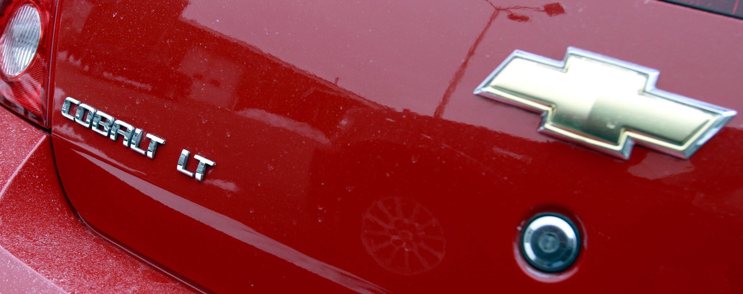 GM recalls Chevrolet Cobalt and Pontiac G5 compact cars because of an ignition problem