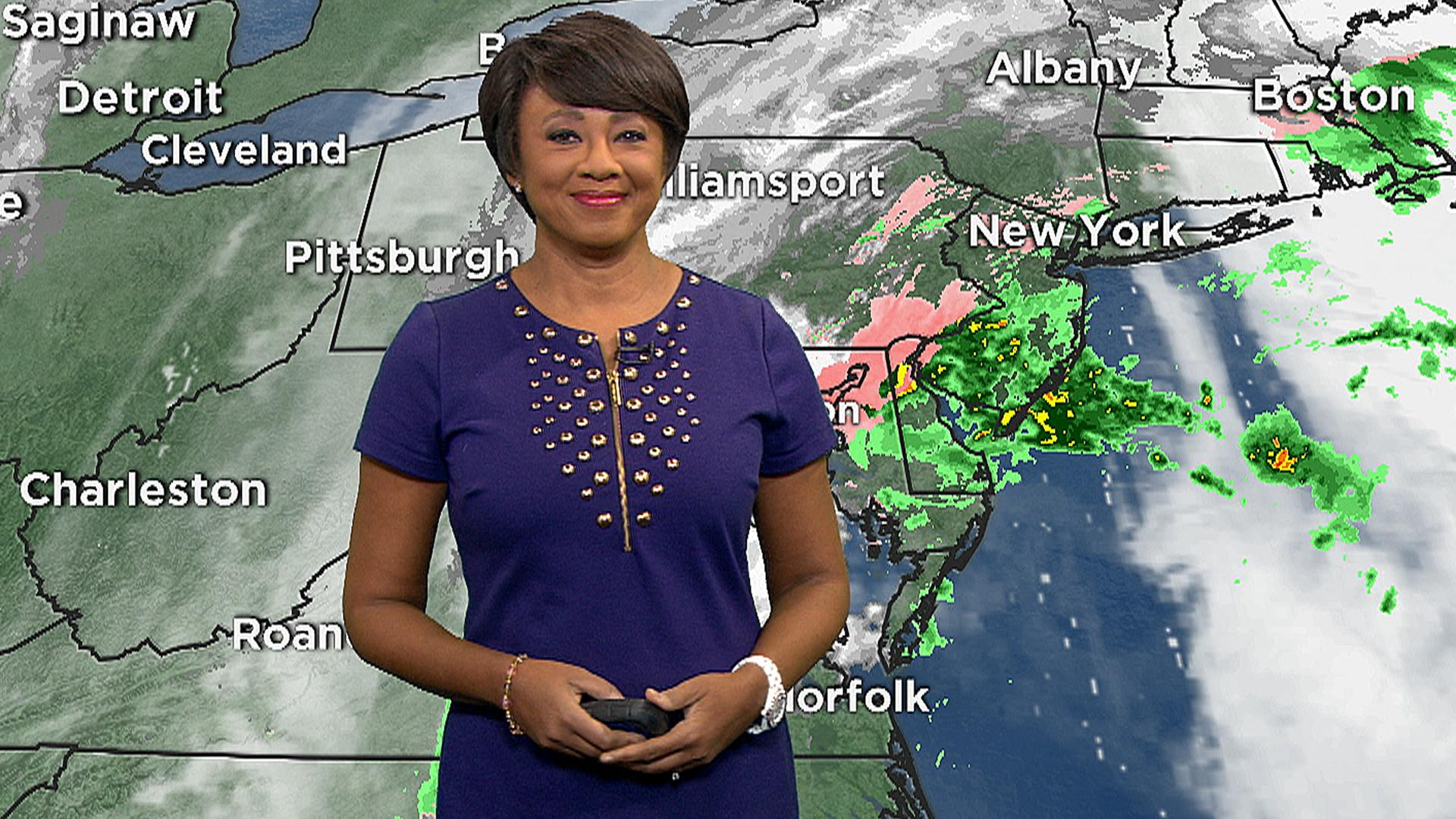 Meteorologist Janice Huff explains how the snowstorm will move up the