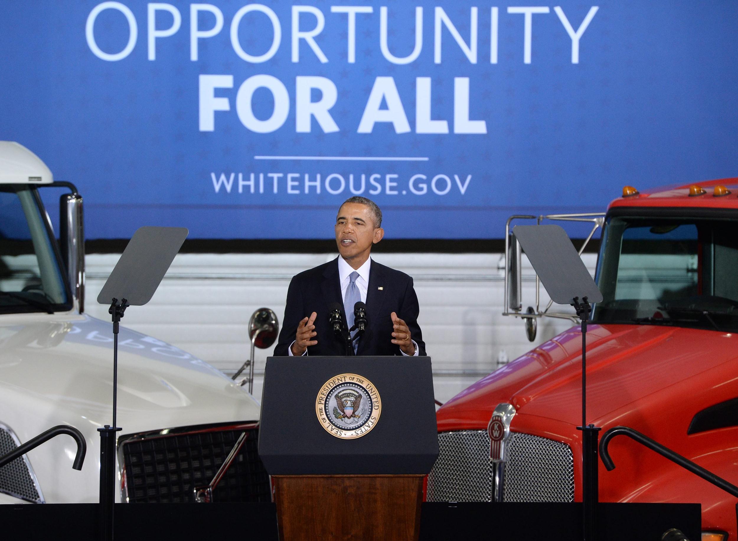 Image: US President Barack Obama at the Safeway Distribution Center in Upper Marlboro