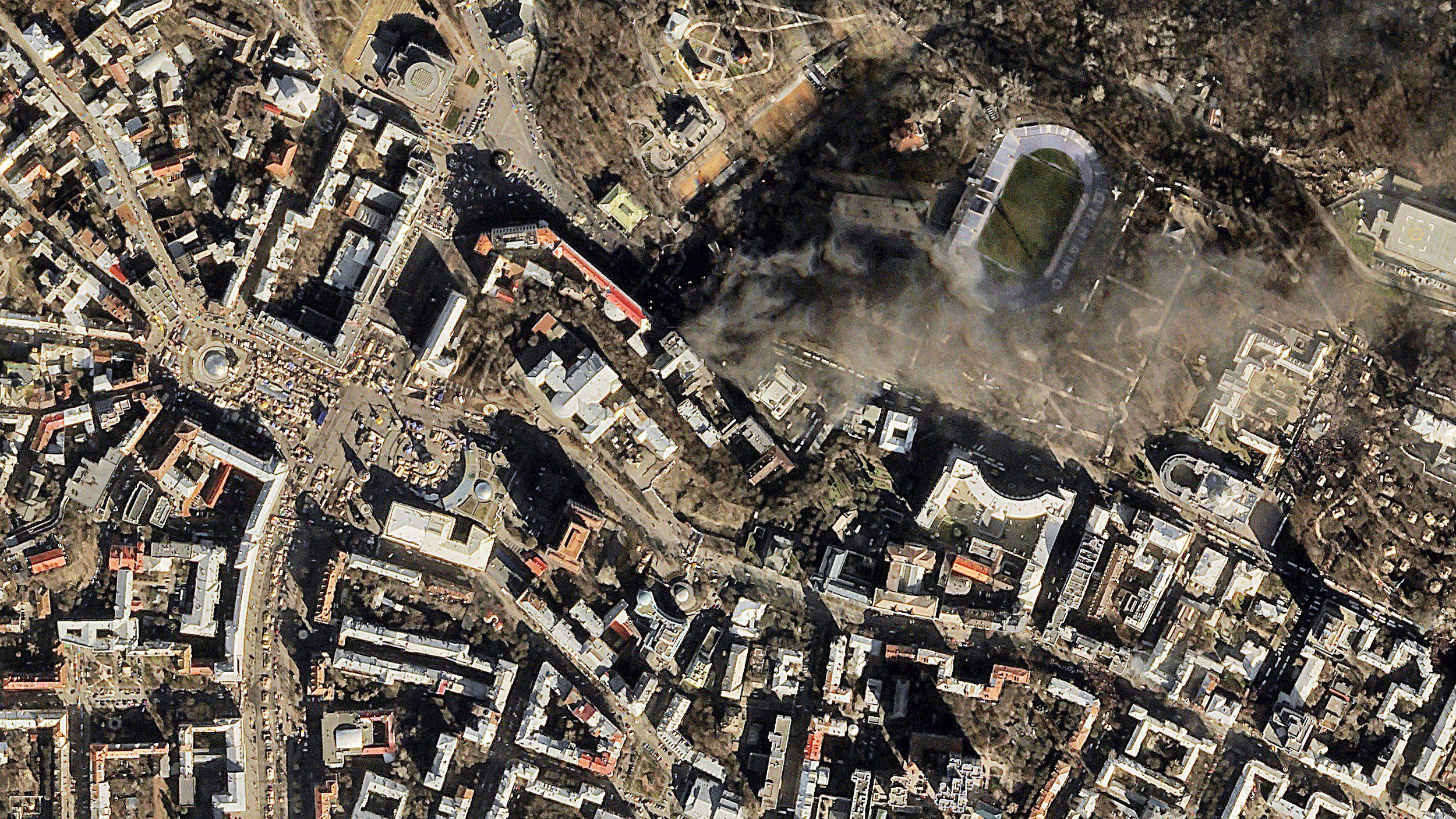 Satellite View Kiev Streets Burn In Protest - World satellite map live online