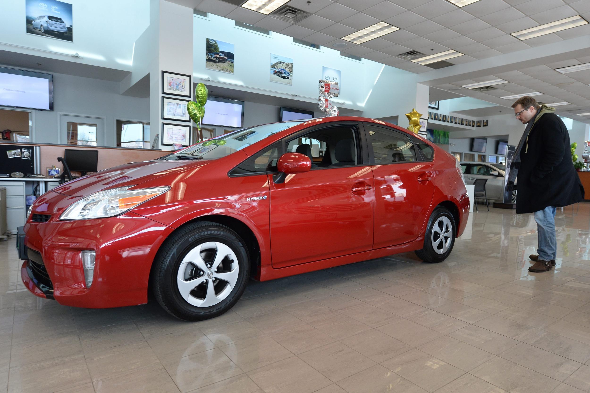 Car Buyers Doing More Legwork For Less Roadwork